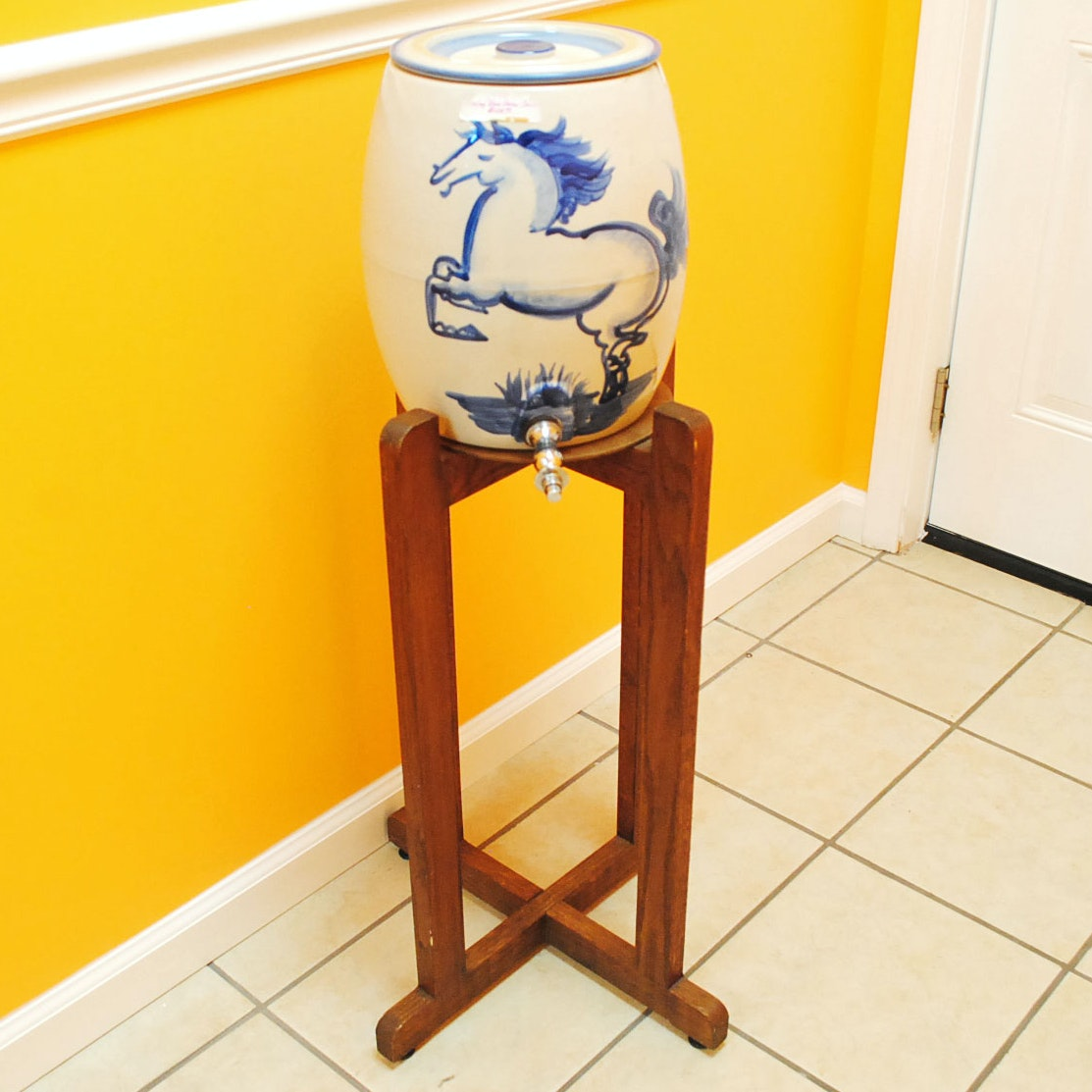 Hadley Blue Horse Water Dispenser With Wood Stand