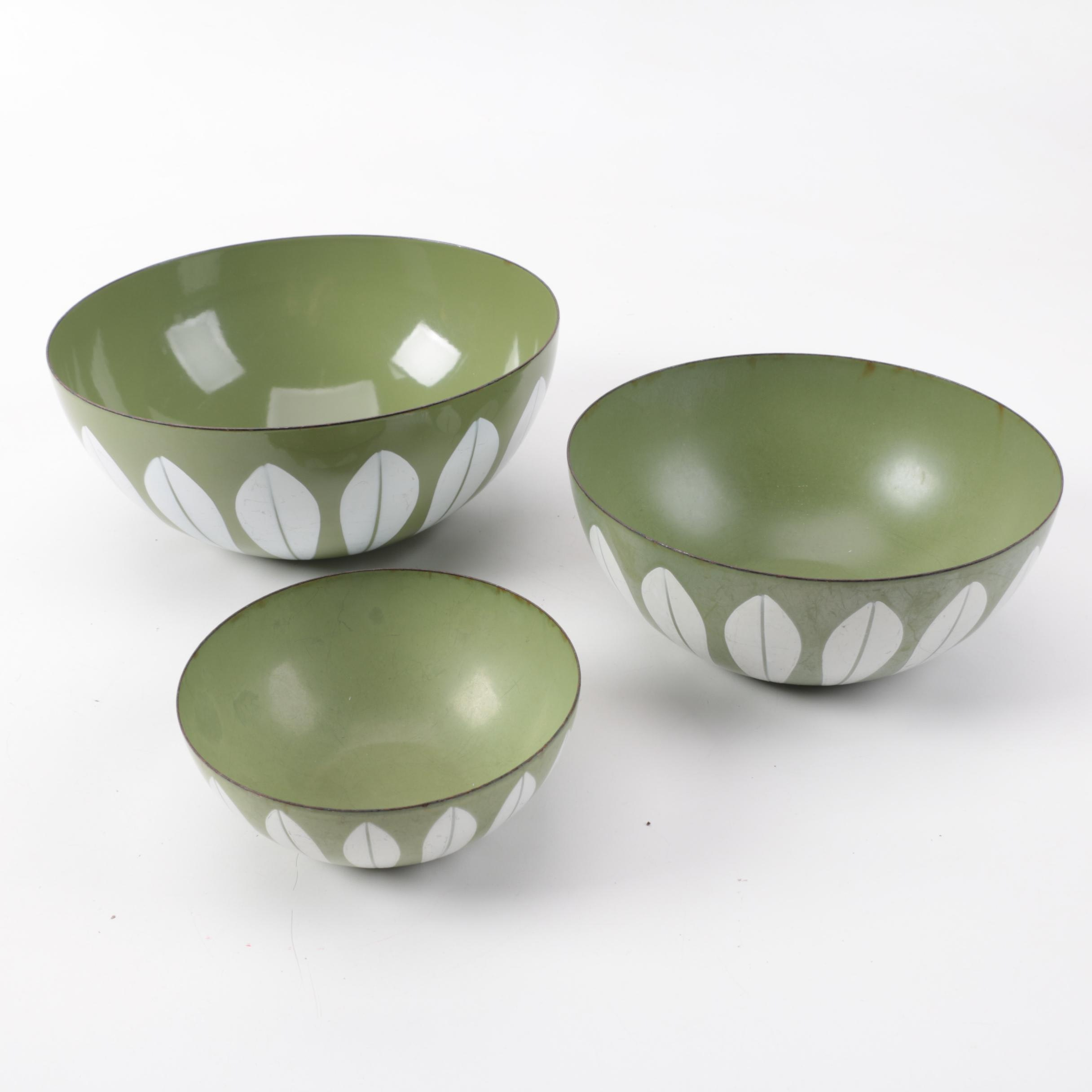 "Mid Century Modern Cathrineholm ""Lotus"" Enamel Bowl Set"