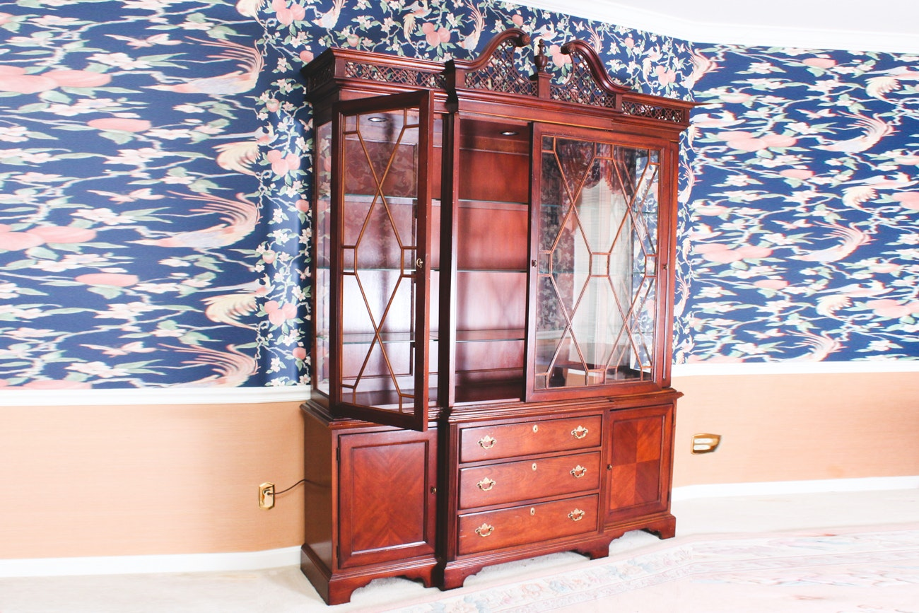 Breakfront China Cabinet By Lexington Furniture ...