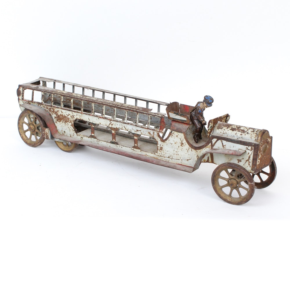 Early 1900s Schieble Hill Climbing Pressed Steel Firetruck