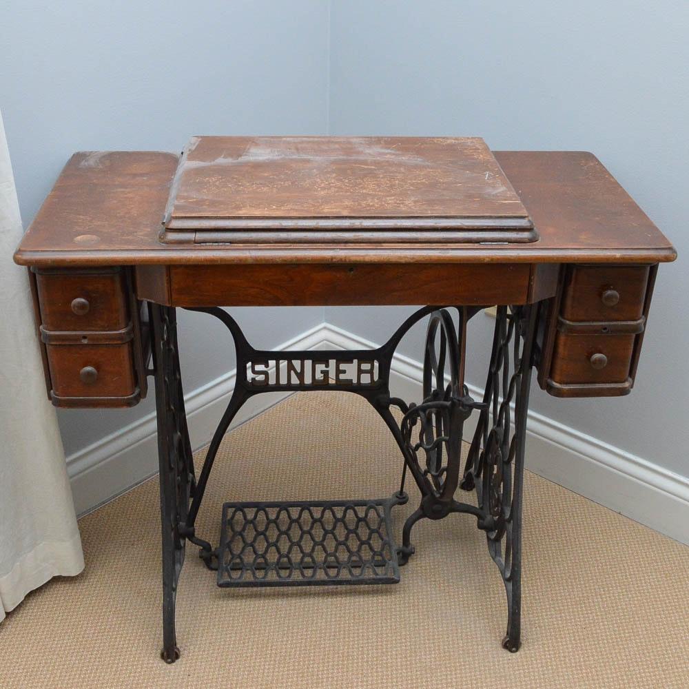 Vintage Singer Sewing Machine Table ...
