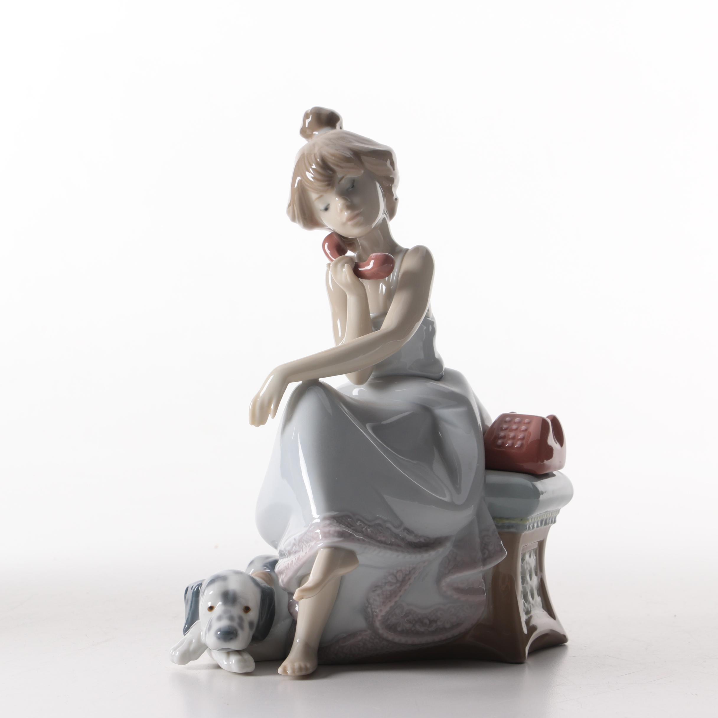 "Lladro Figurine ""Chit Chat"""