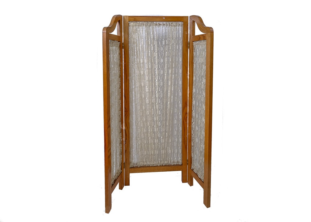 Lace Curtained Changing Screen