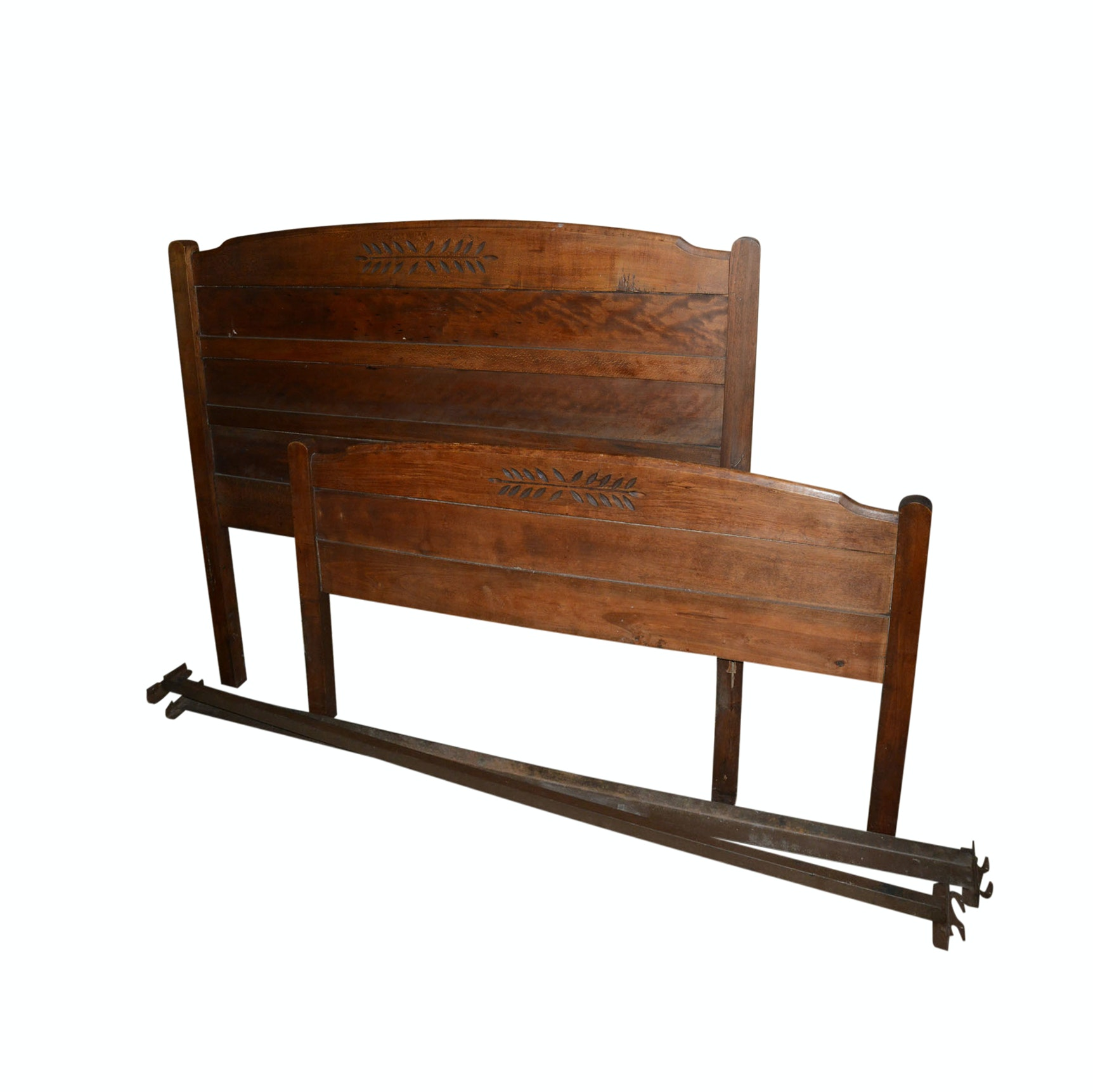 Vintage Country Style Carved Pine Bed