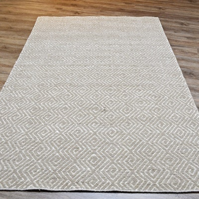 Hand Loomed Jacquard Wilton Key Wool and Viscose Area Rug