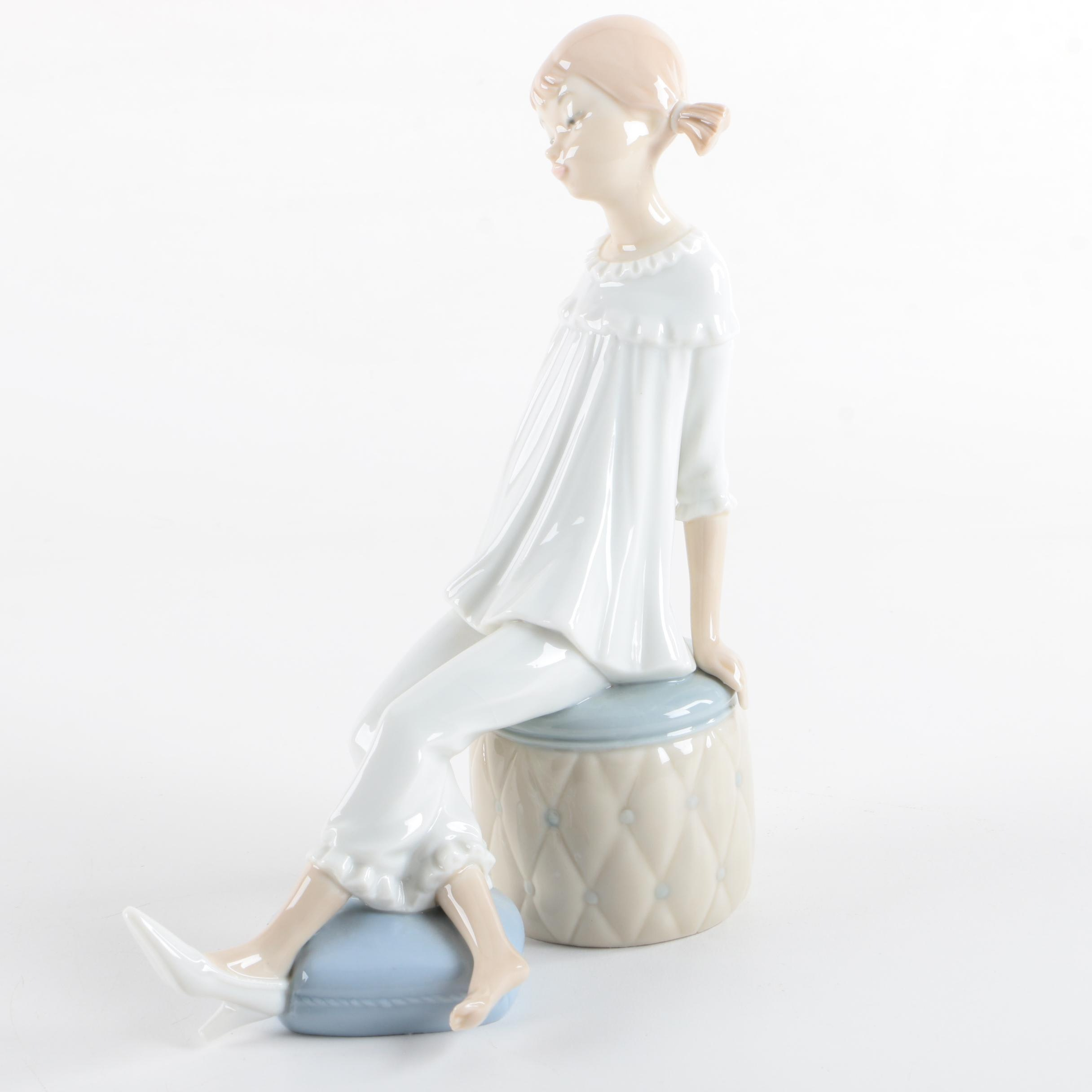 """Lladró  """"Girl With Mother's Shoe"""" Figurine"""