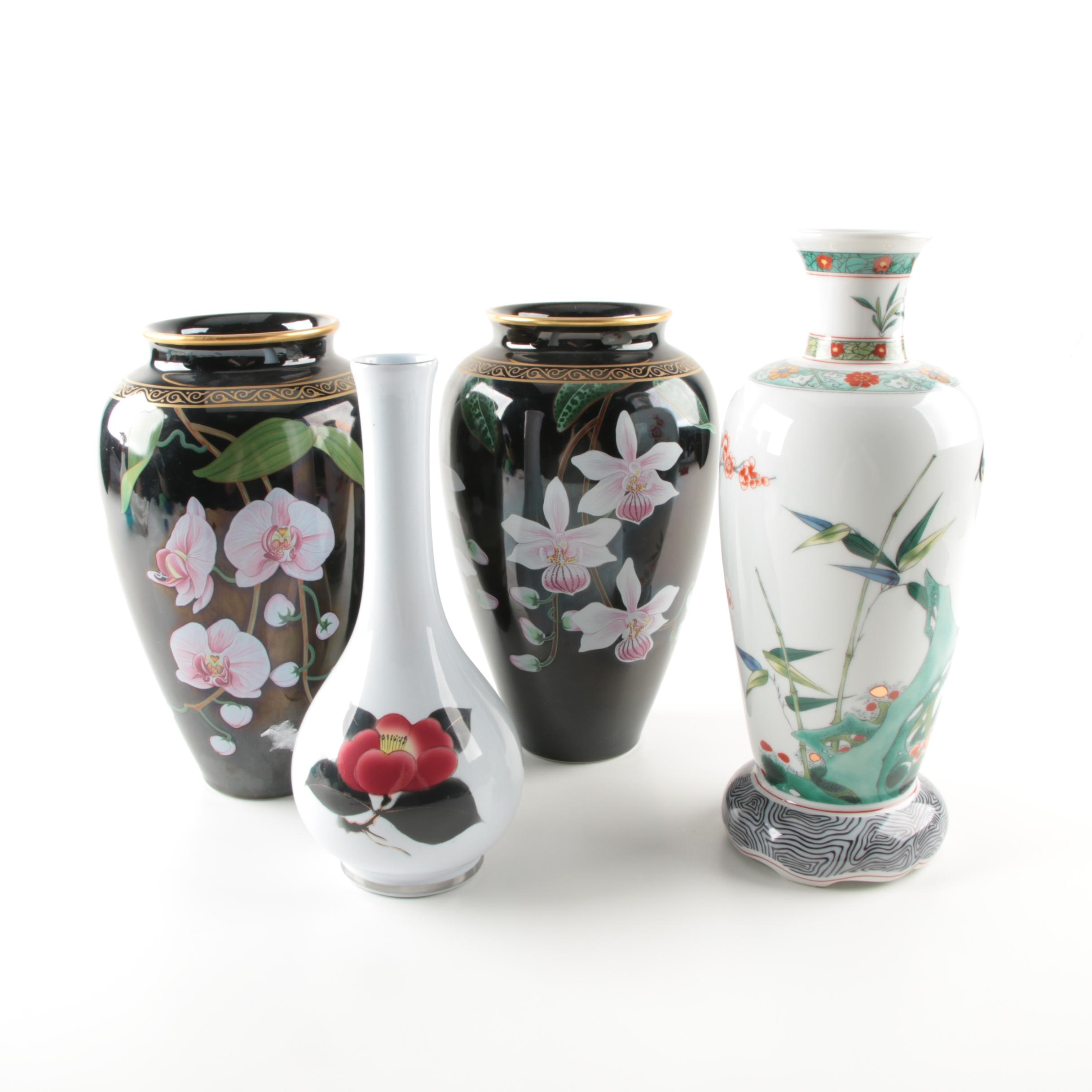 Franklin Mint Replica Chinese Porcelain Vases and a Japanese Vase