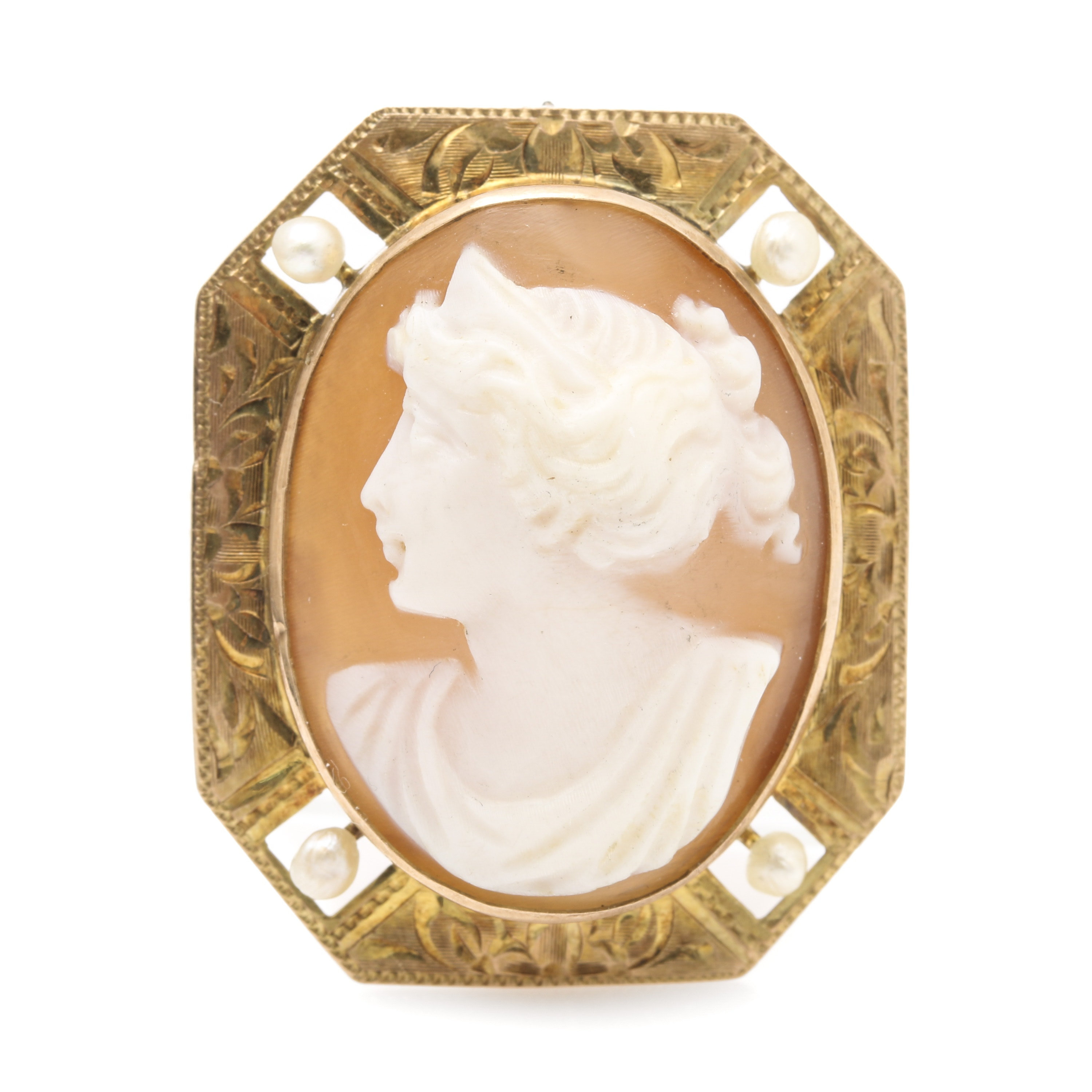 Vintage 10K Yellow Gold Carved Helmet Shell Cameo Brooch with Cultured Pearls