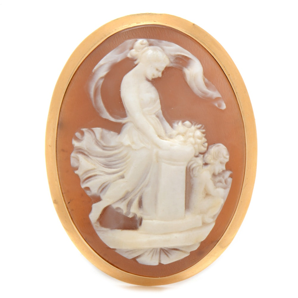 Early 20th Century Shell Cameo Brooch in 18K Yellow Gold Mount