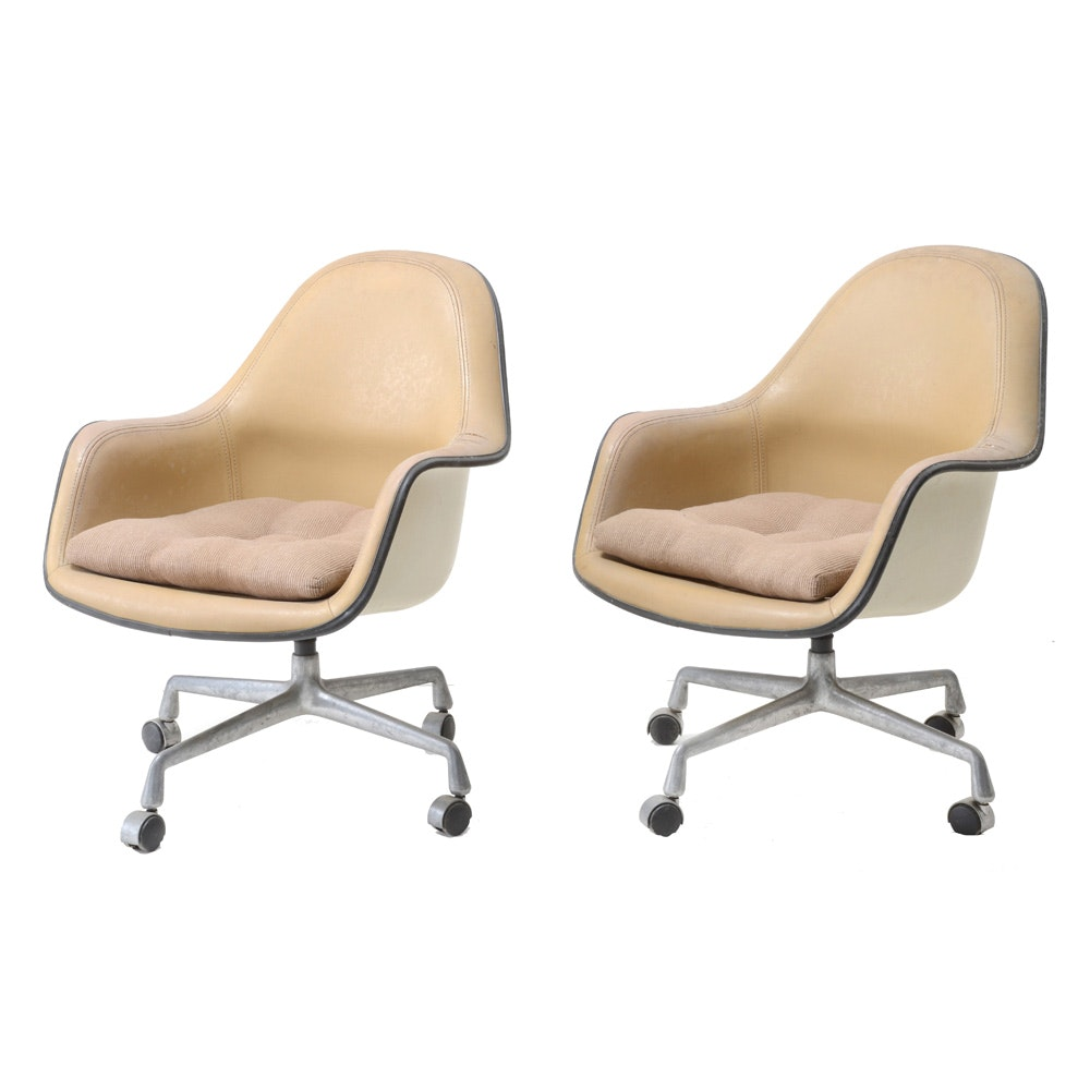 Mid Century Modern Charles Eames for Herman Miller Molded Office Chairs