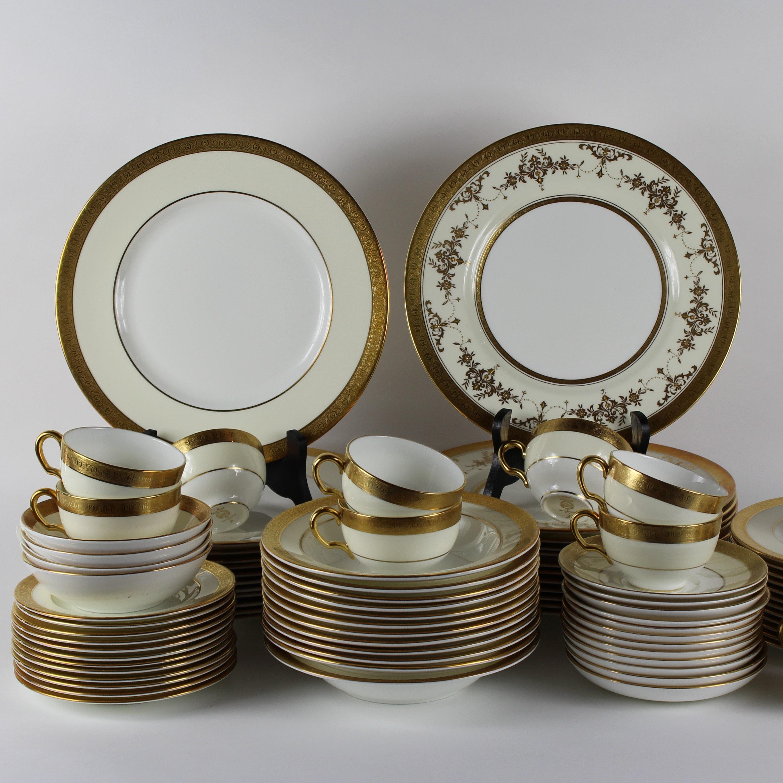 "Minton Fine Bone China Dinnerware Plus Serving Pieces including ""Buckingham"""