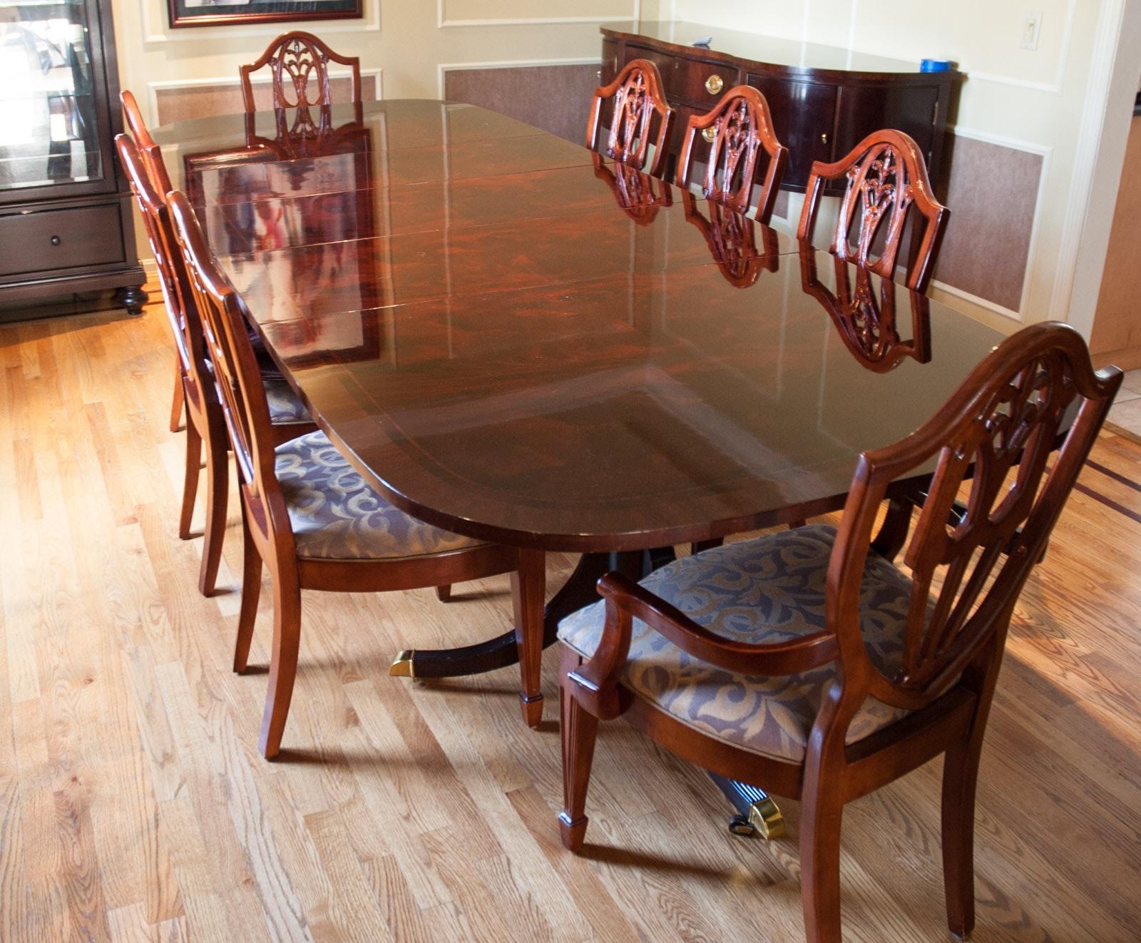 Hepplewhite Style Mahogany Dining Room Set by Bernhardt