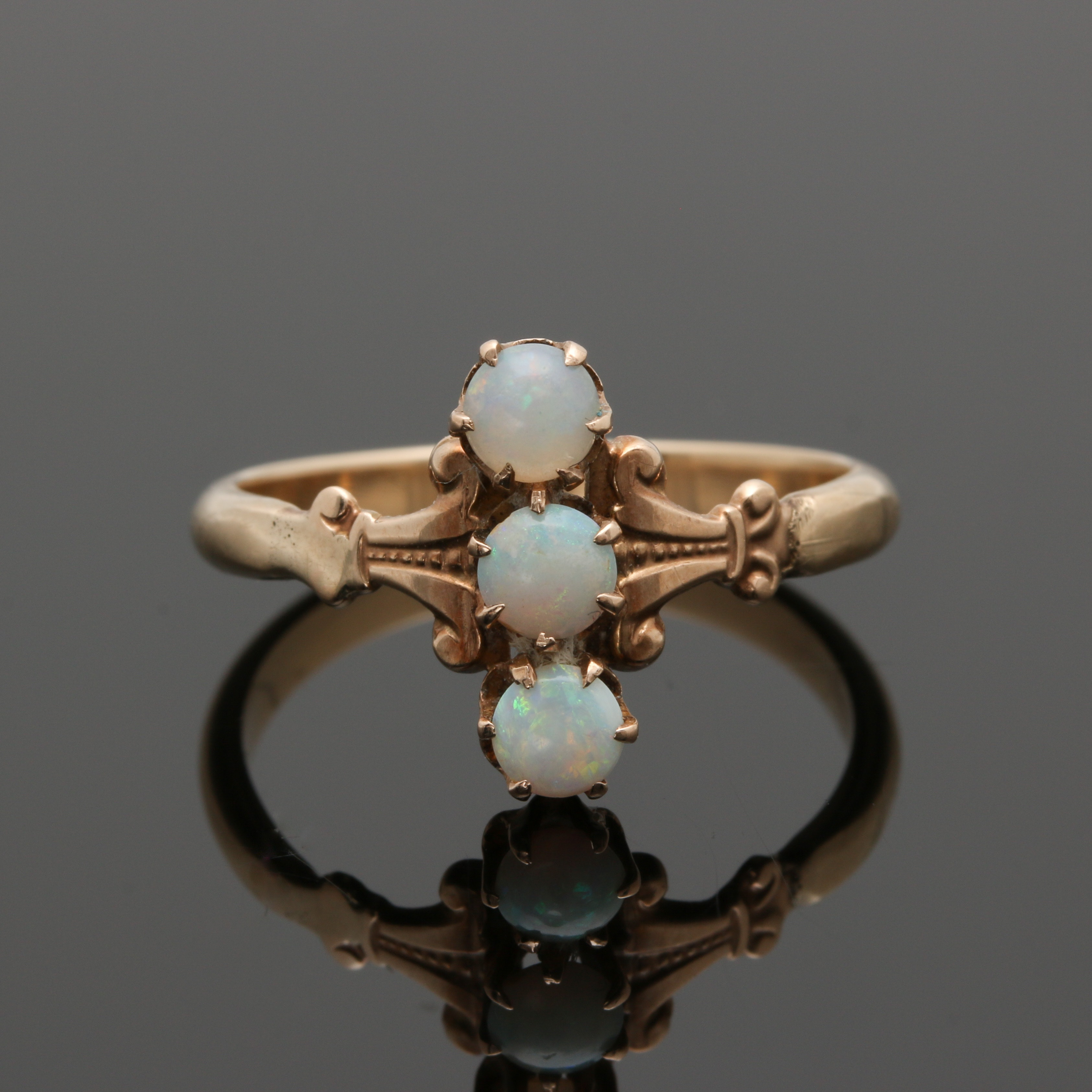 Victorian 14K Yellow Gold Opal Ring