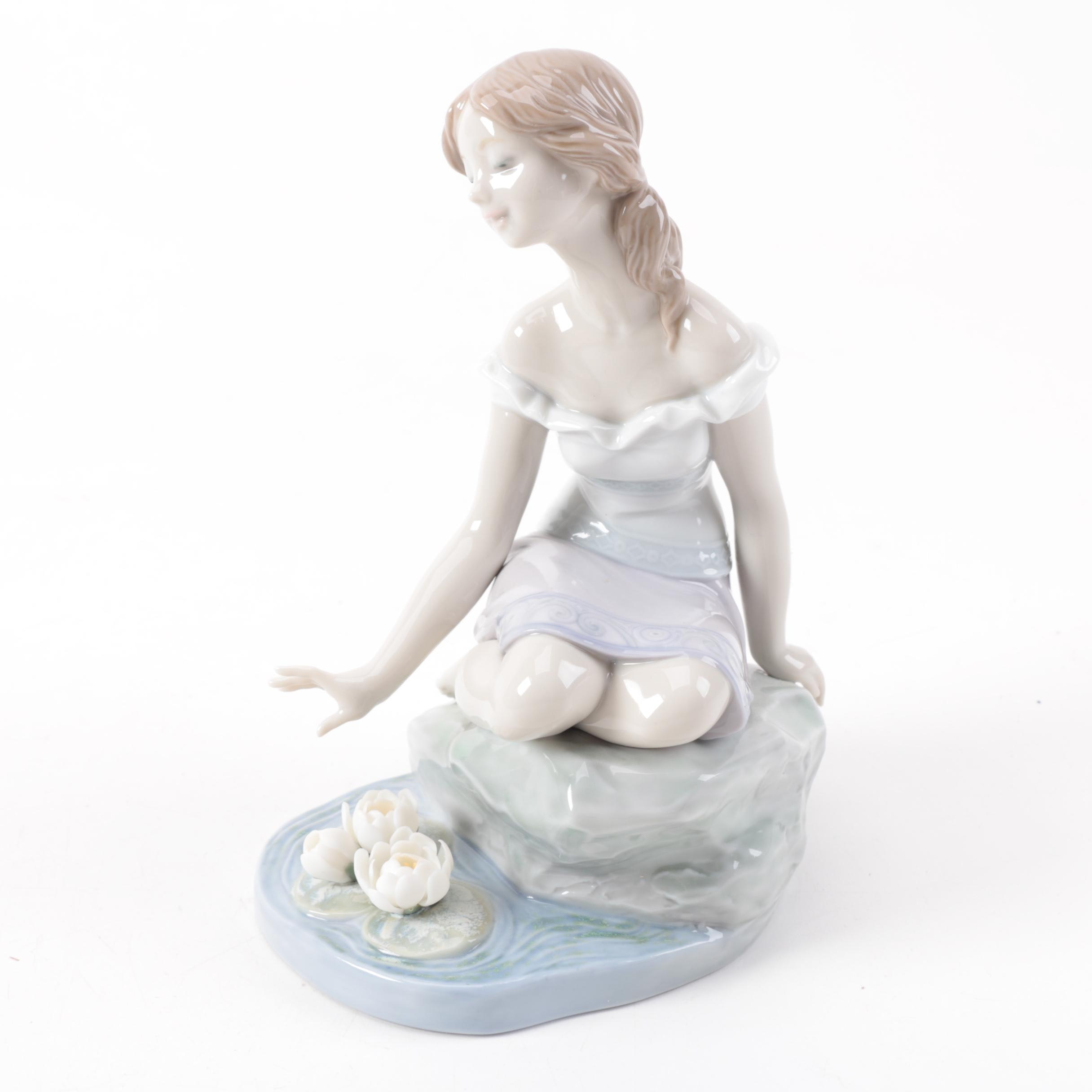 """Lladró Privilege Society Porcelain Figurine """"Reflections of Helena"""""""
