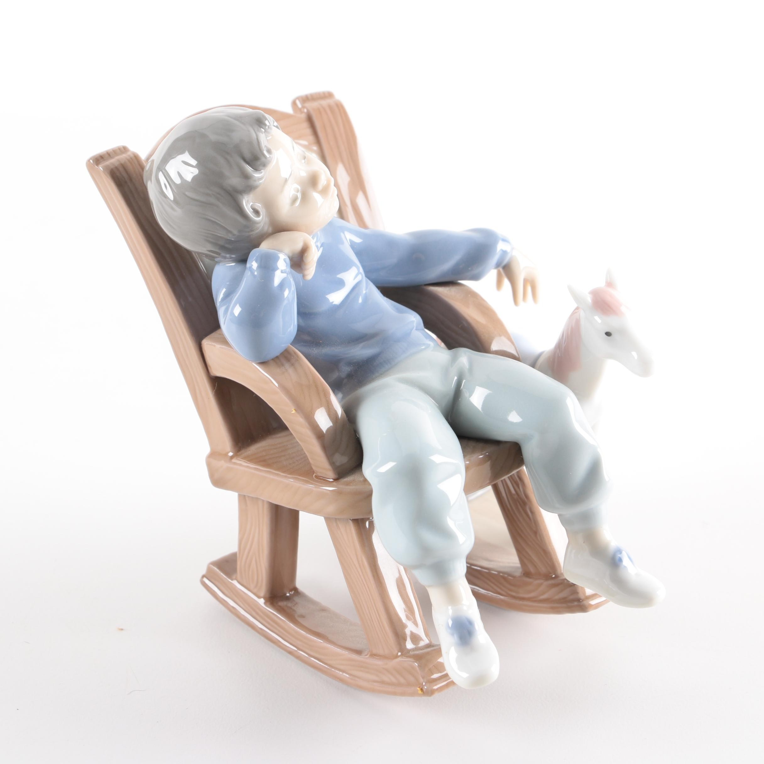 """Lladró """"All Tuckered Out"""" Figurine"""