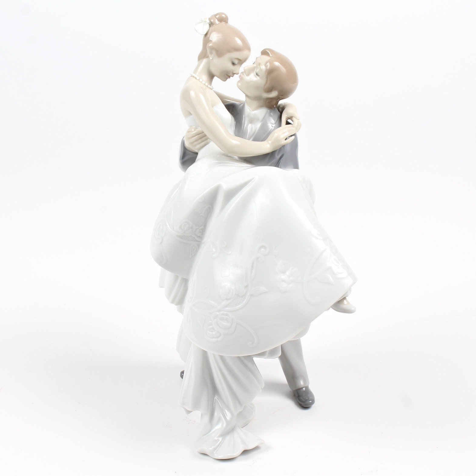 Lladro Wedding Couple Figurine
