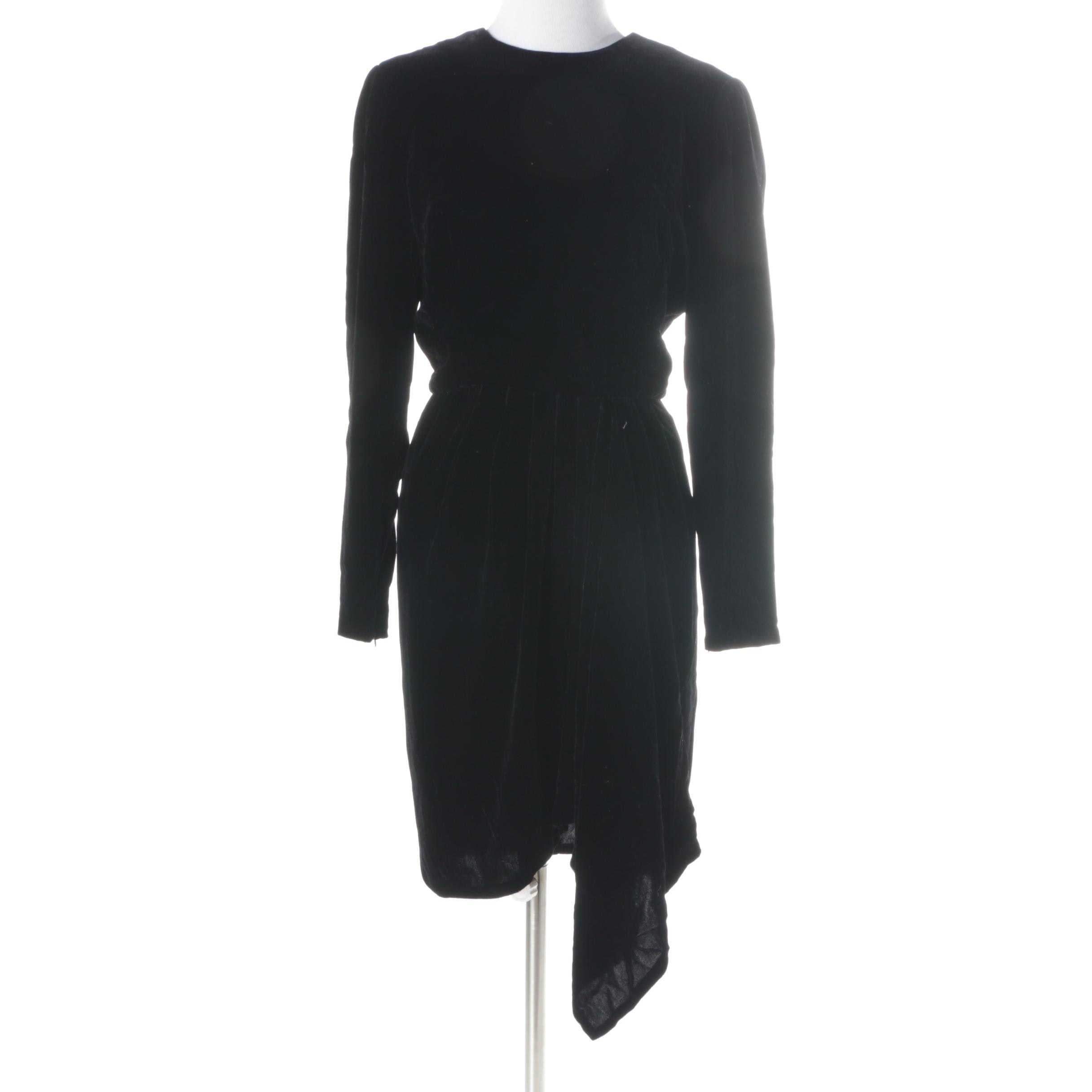 Women's Vintage Oscar de la Renta Black Velvet Dress