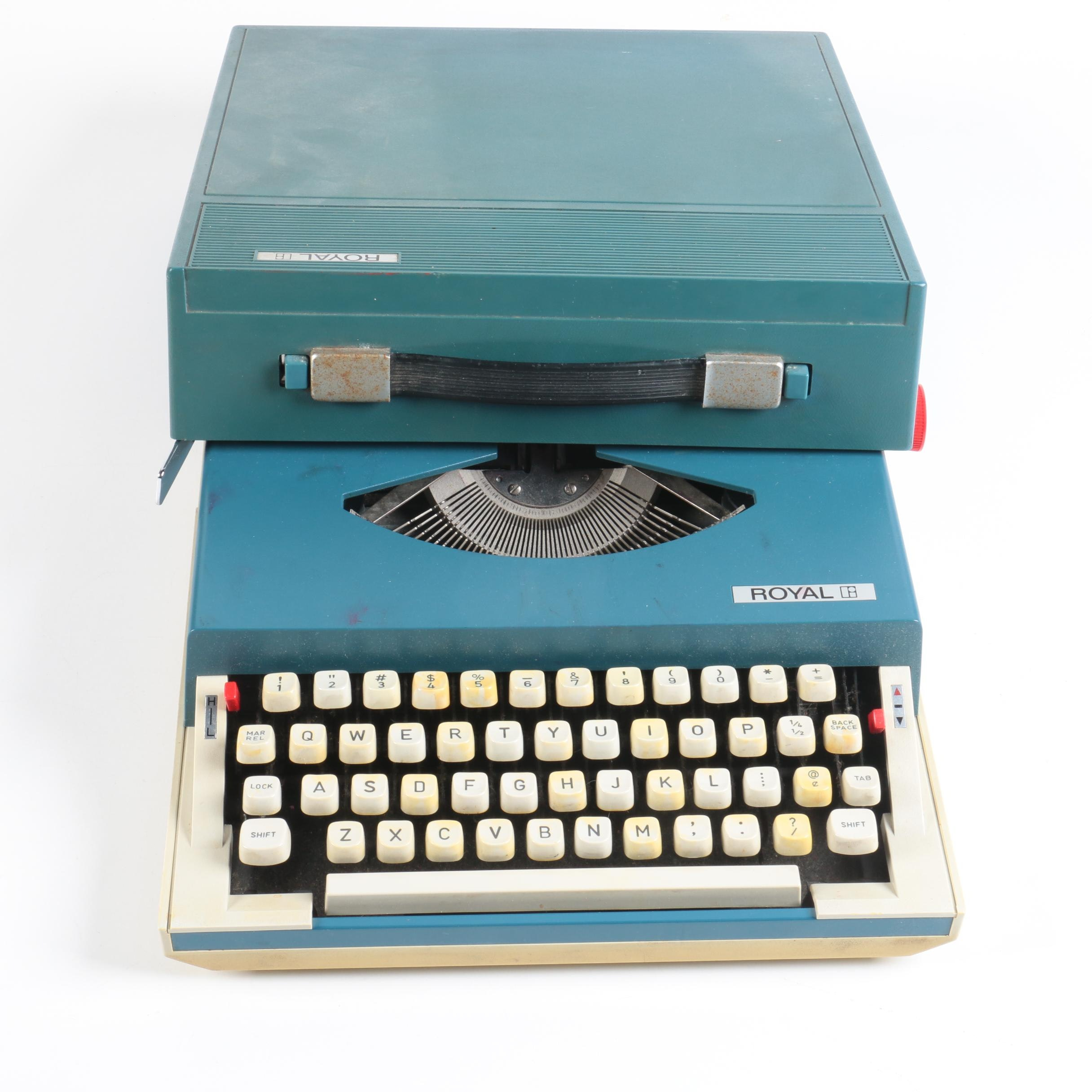 "Vintage Royal ""Sprite"" Typewriter"