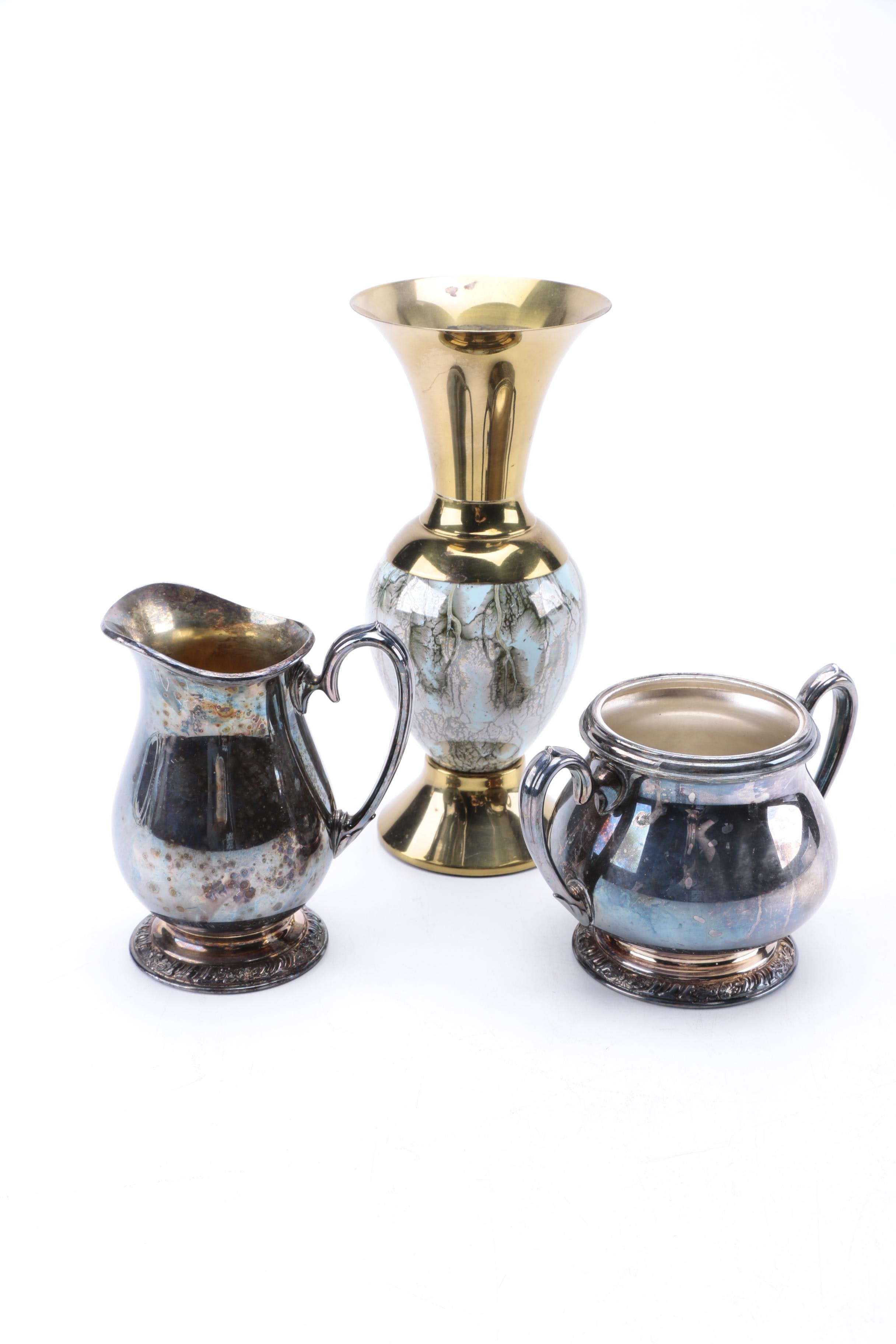 Oneida Silver Plate Sugar and Creamer with Vase