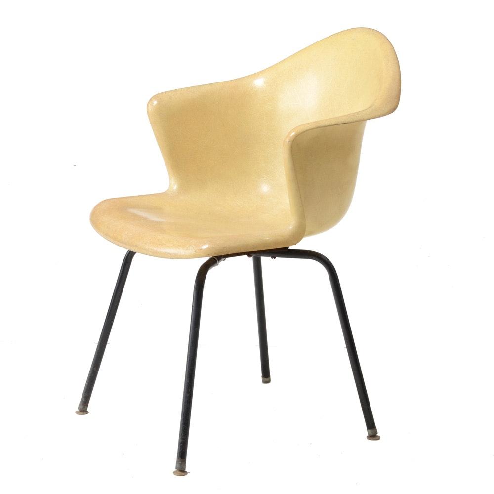 Mid Century Modern Fiberglass Shell Chair