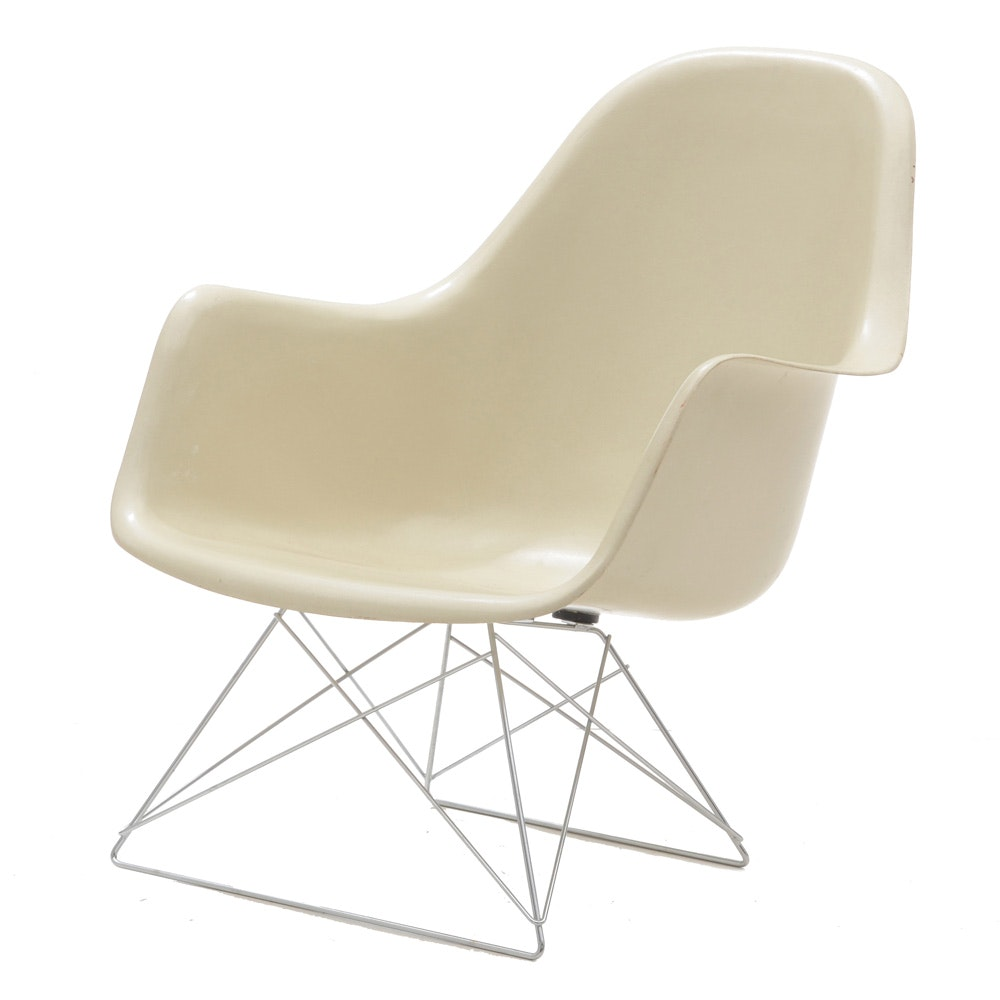 Eames for Herman Miller Molded Fiberglass Chair on Cat's Cradle Base