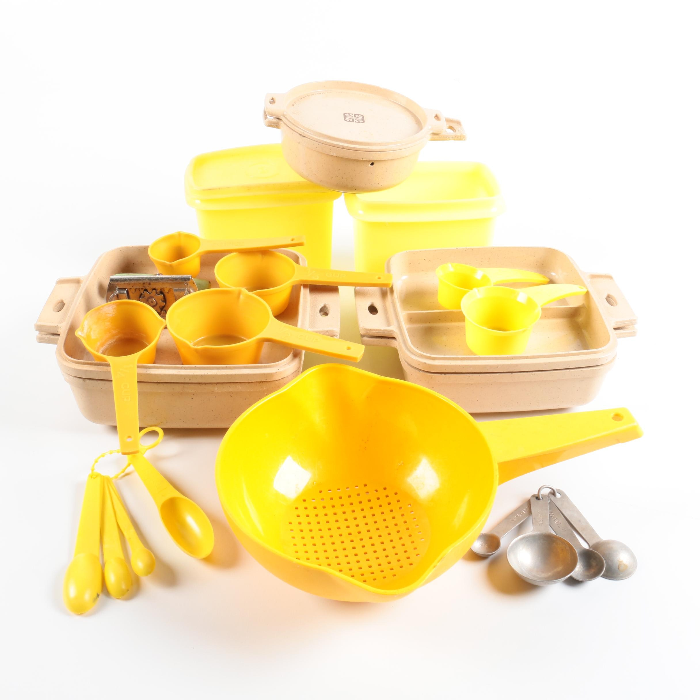 Littonware Storage Containers with Measuring Spoons and Strainer