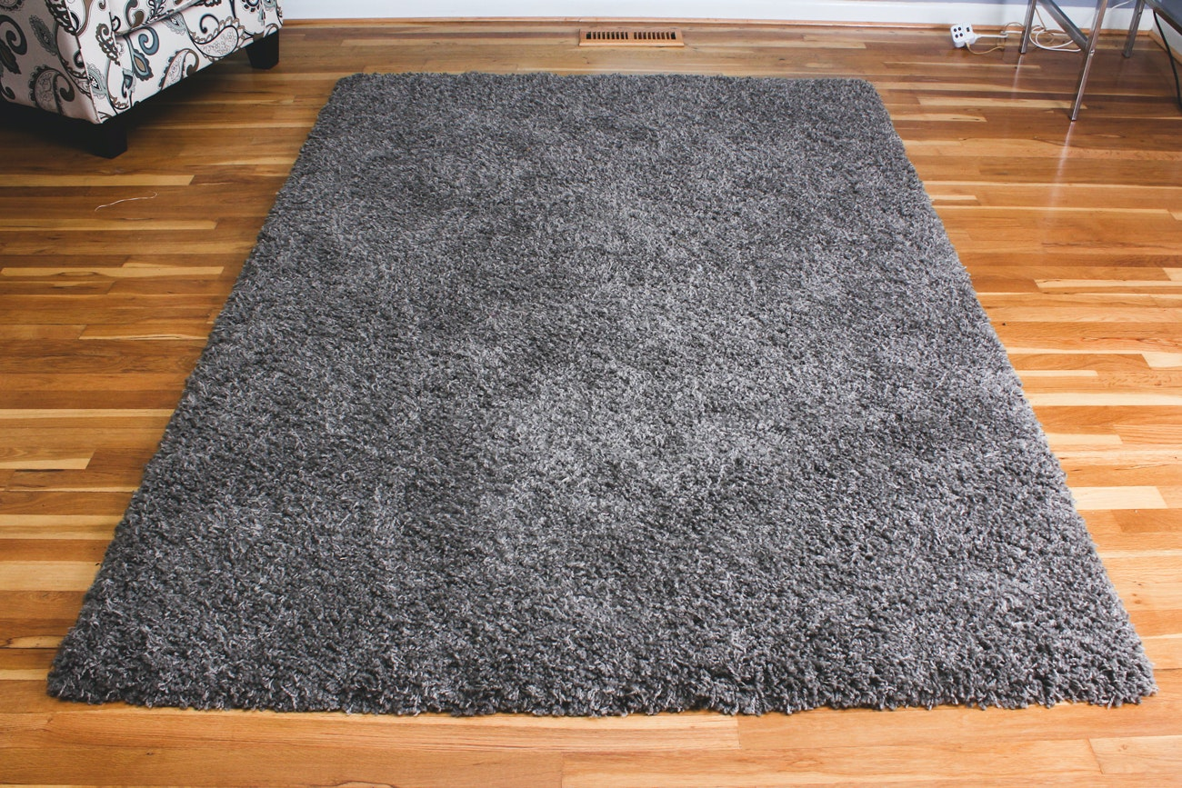 Machine-Made Area Rug