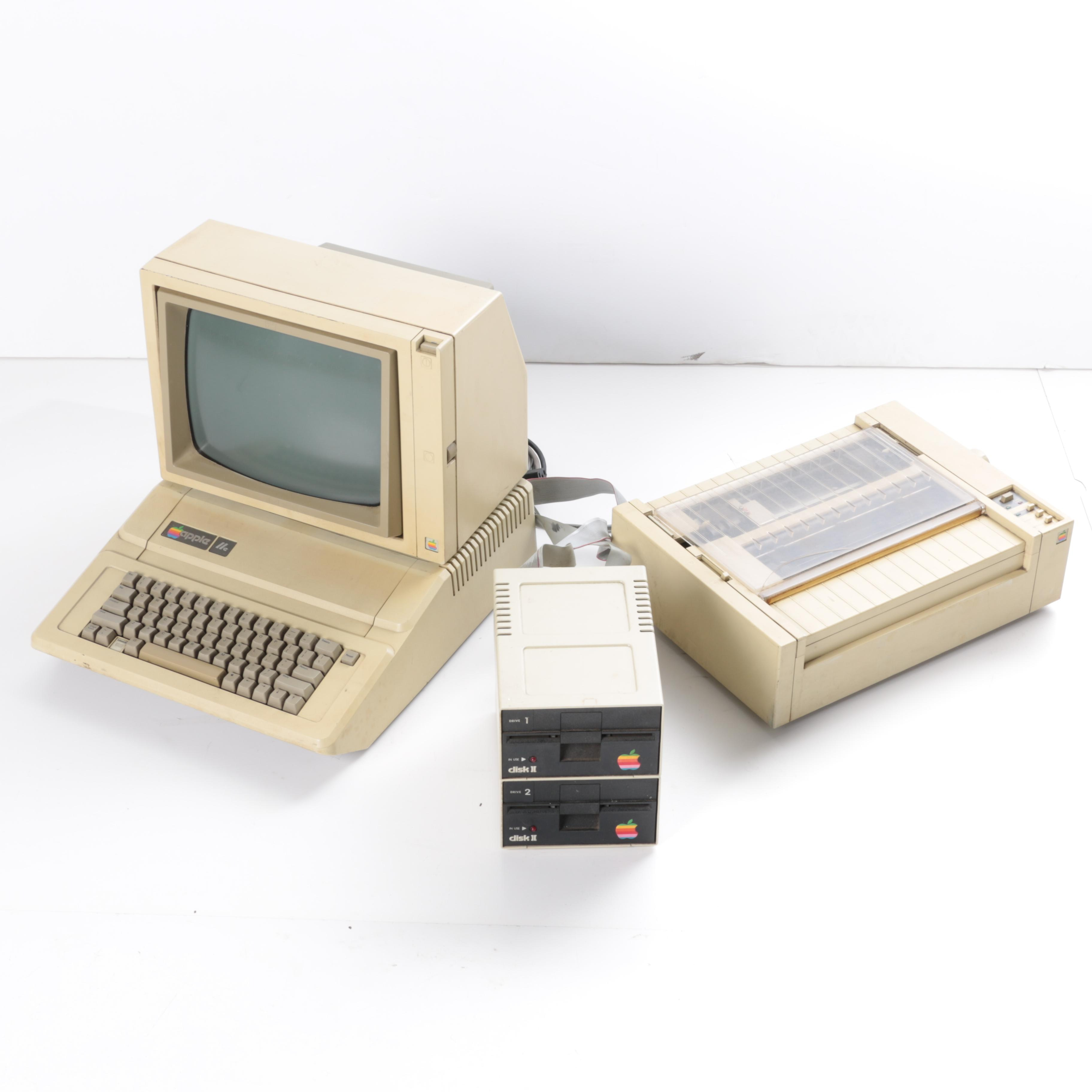 Vintage Apple IIe Computer with Accessories