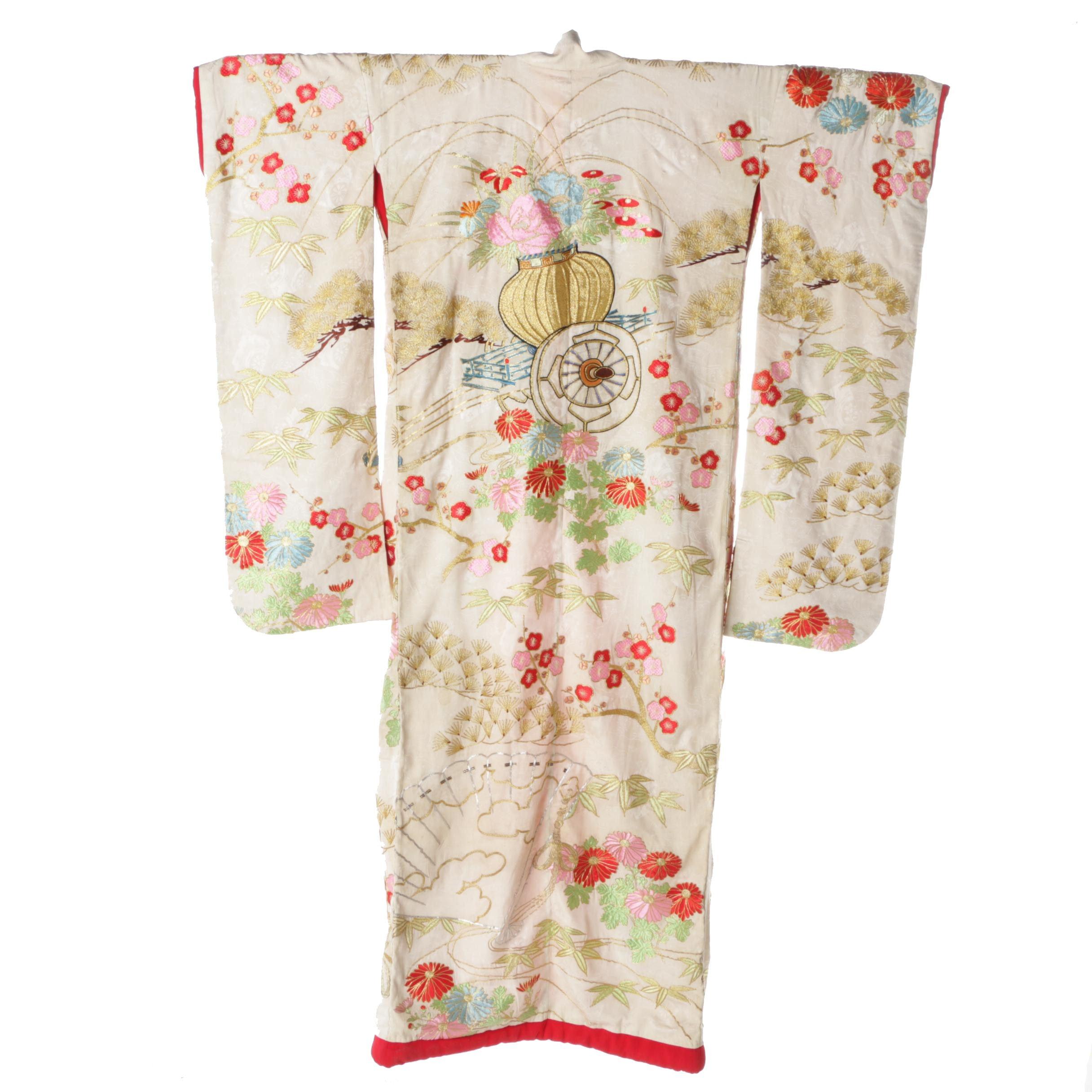 Circa 1900s Antique Japanese Handwoven Silk Uchikake Kimono