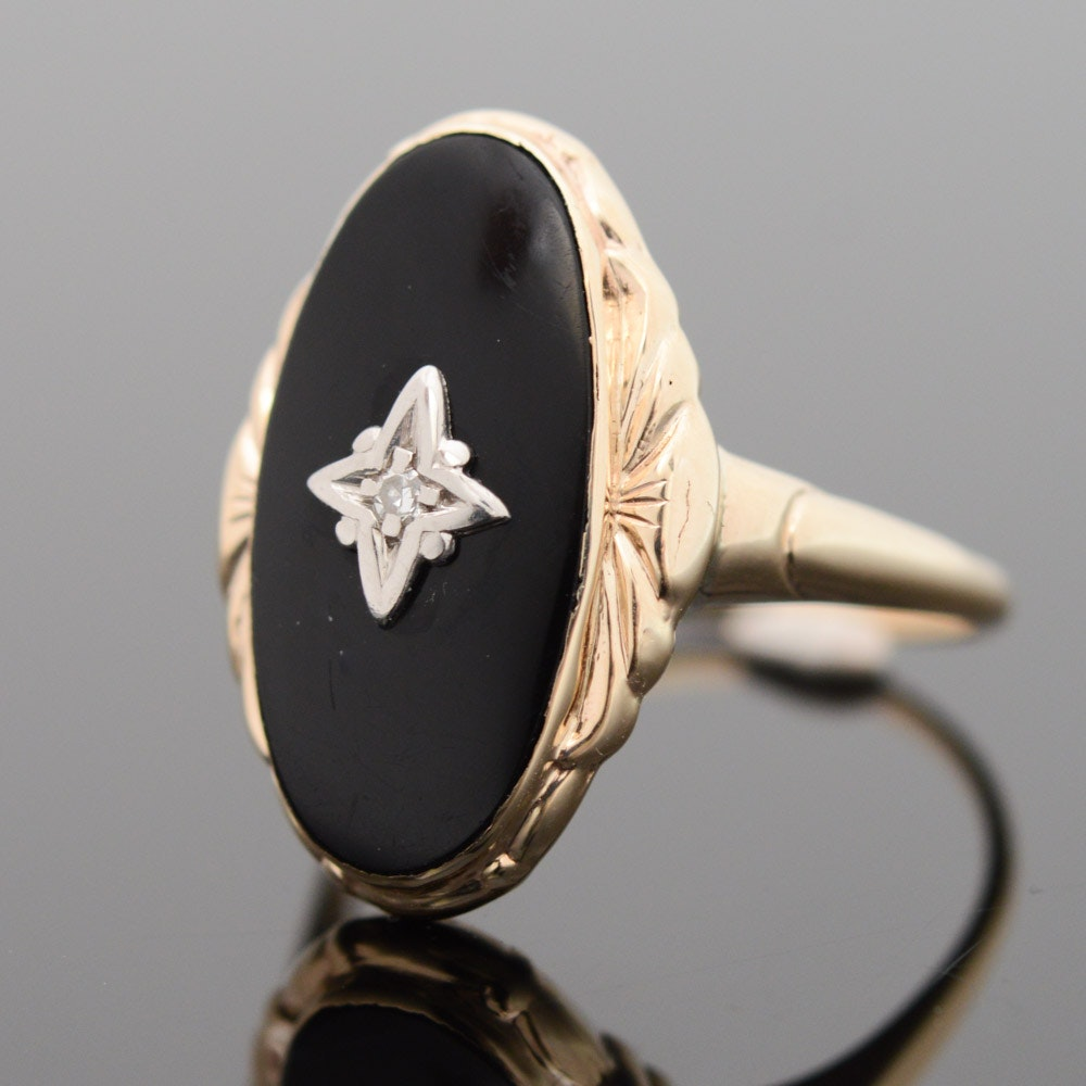 Vintage 10K Yellow Gold Diamond and Onyx Ring