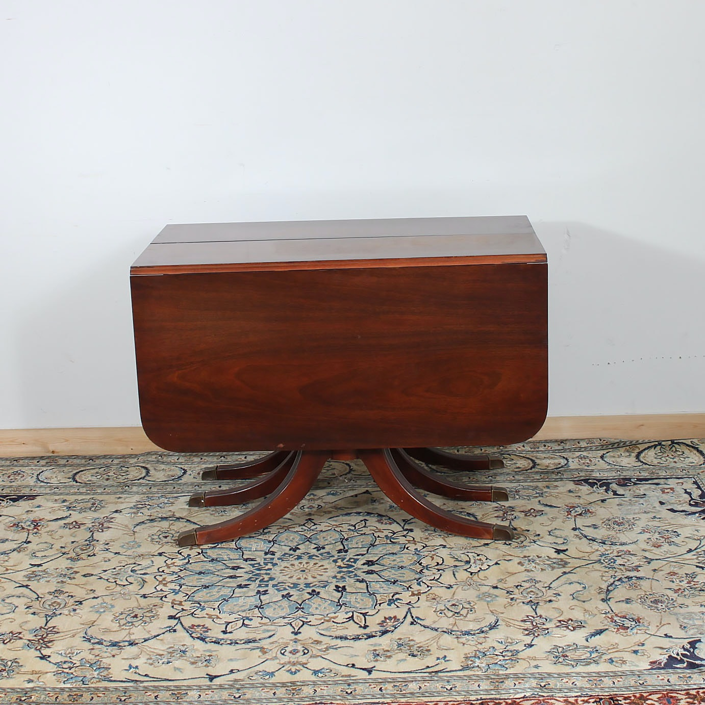 Vintage Duncan Phyfe Style Walnut Drop Leaf Dining Table