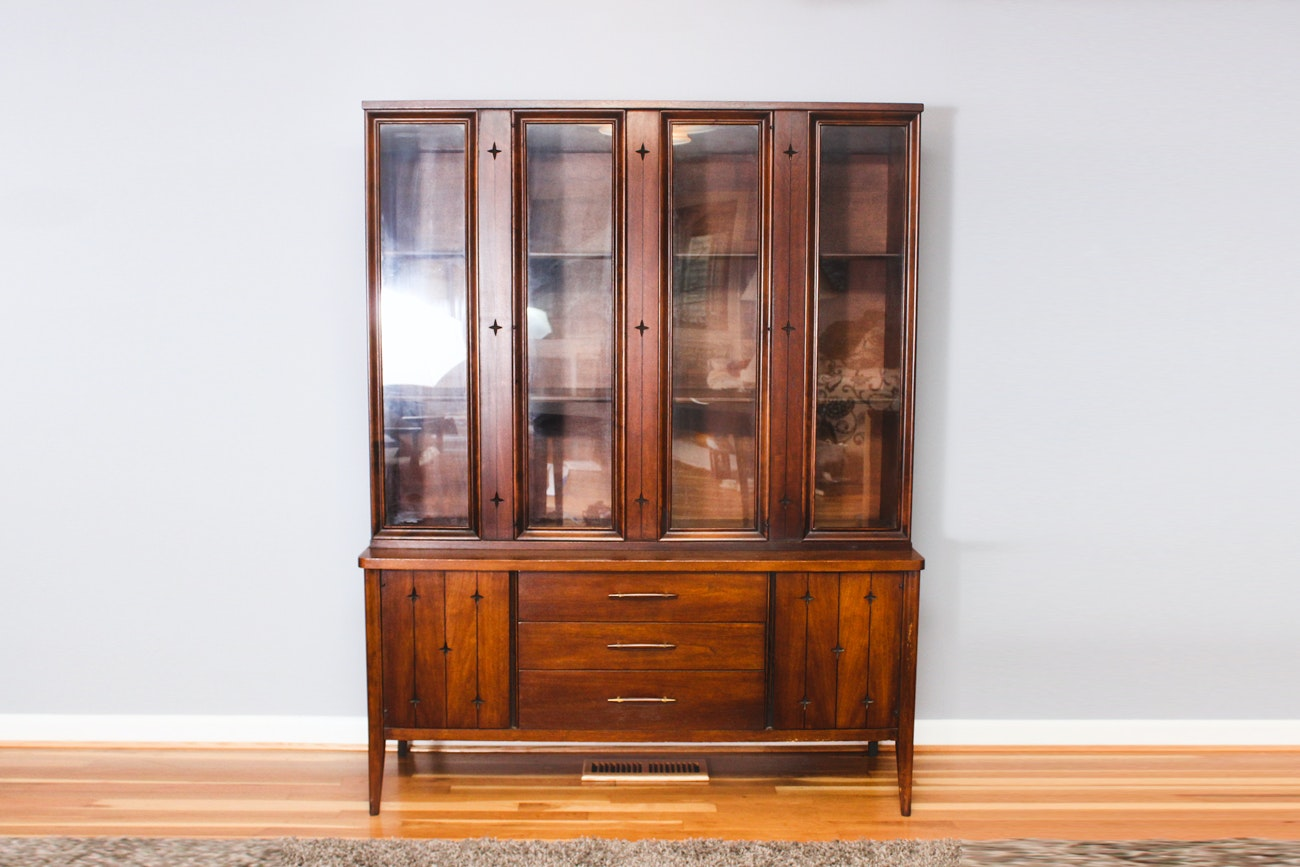 Beau Mid Century Modern China Cabinet By Broyhill Furniture ...