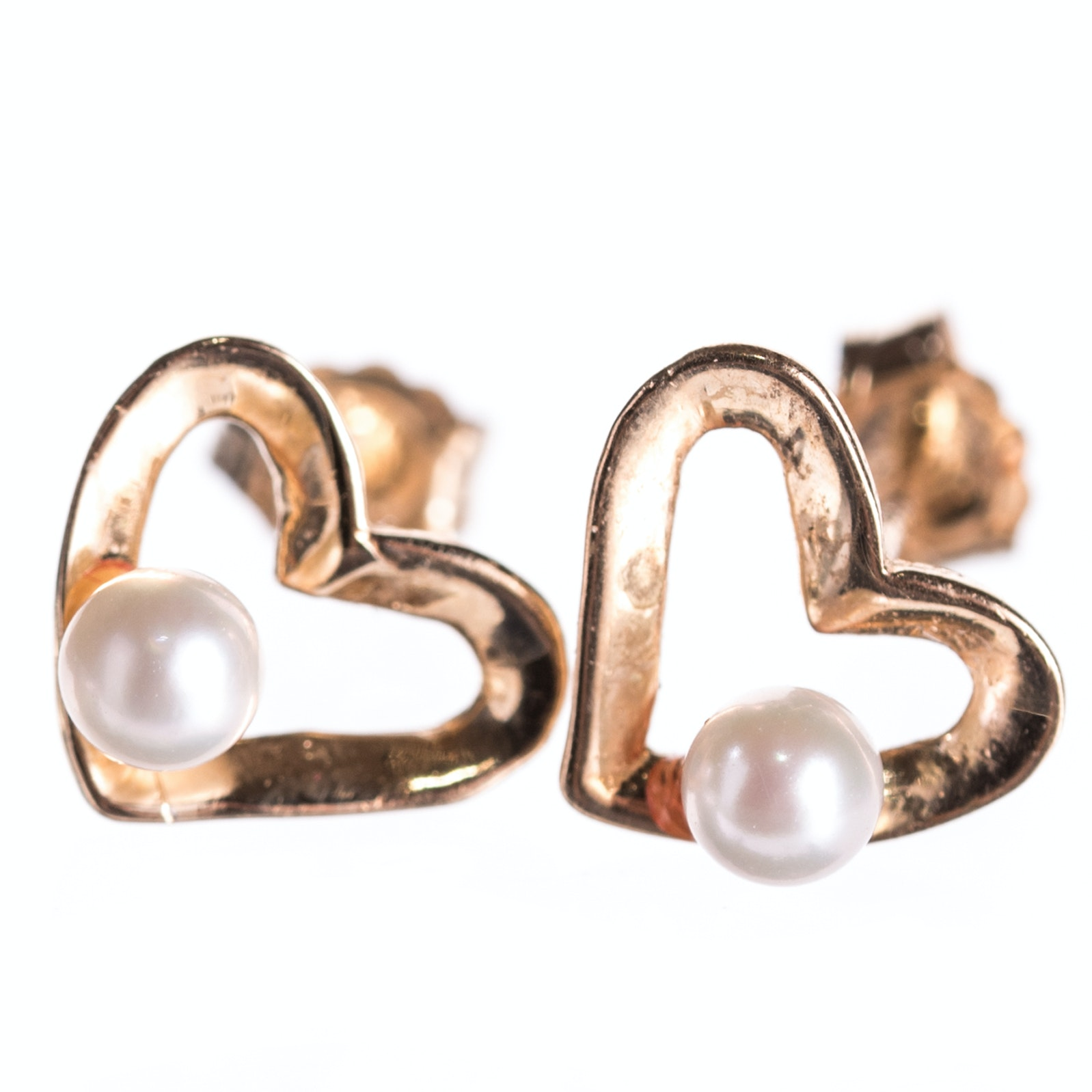 14K Yellow Gold Heart Earrings with Pearl