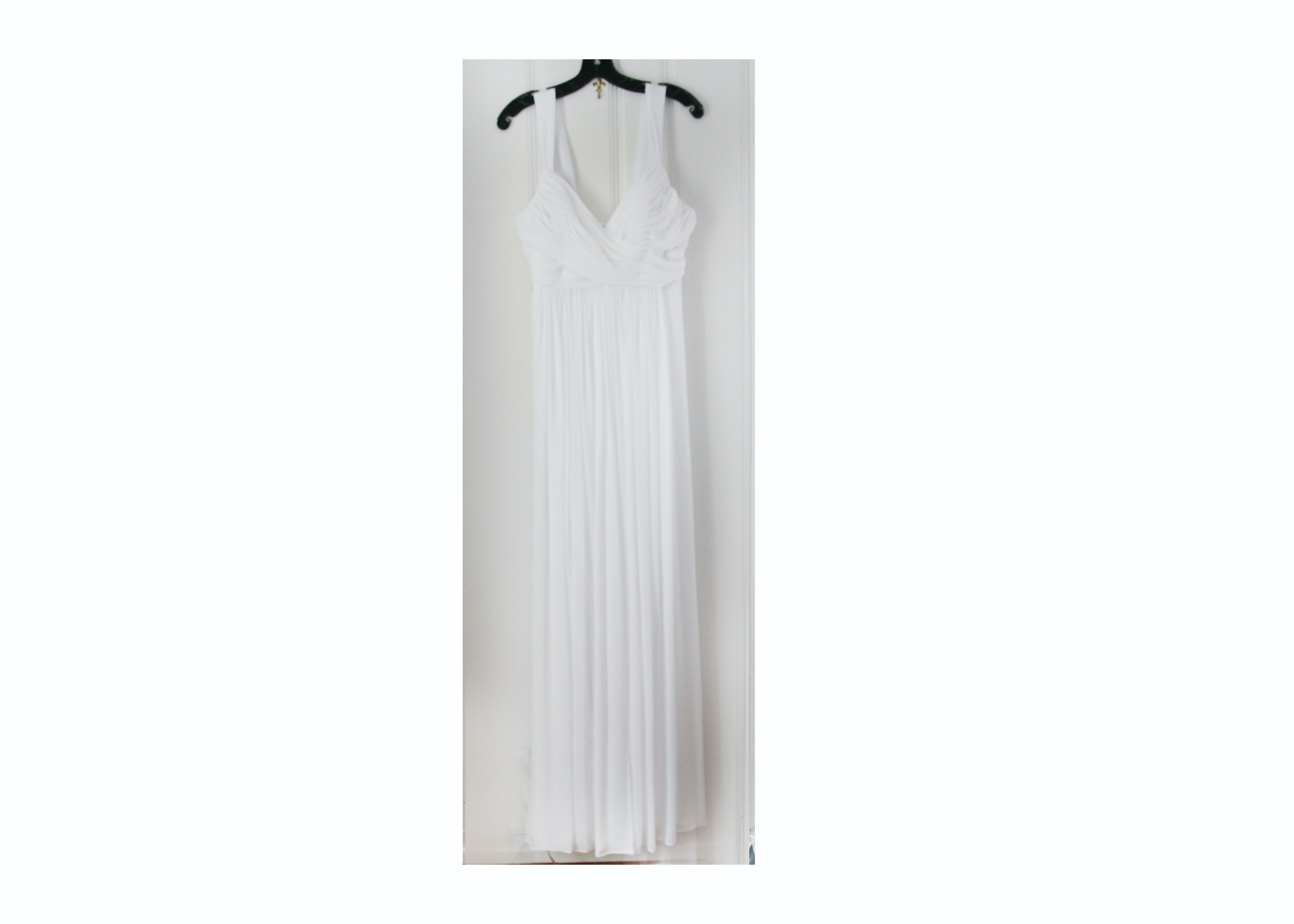 Watters & Watters White Sleeveless Evening Gown