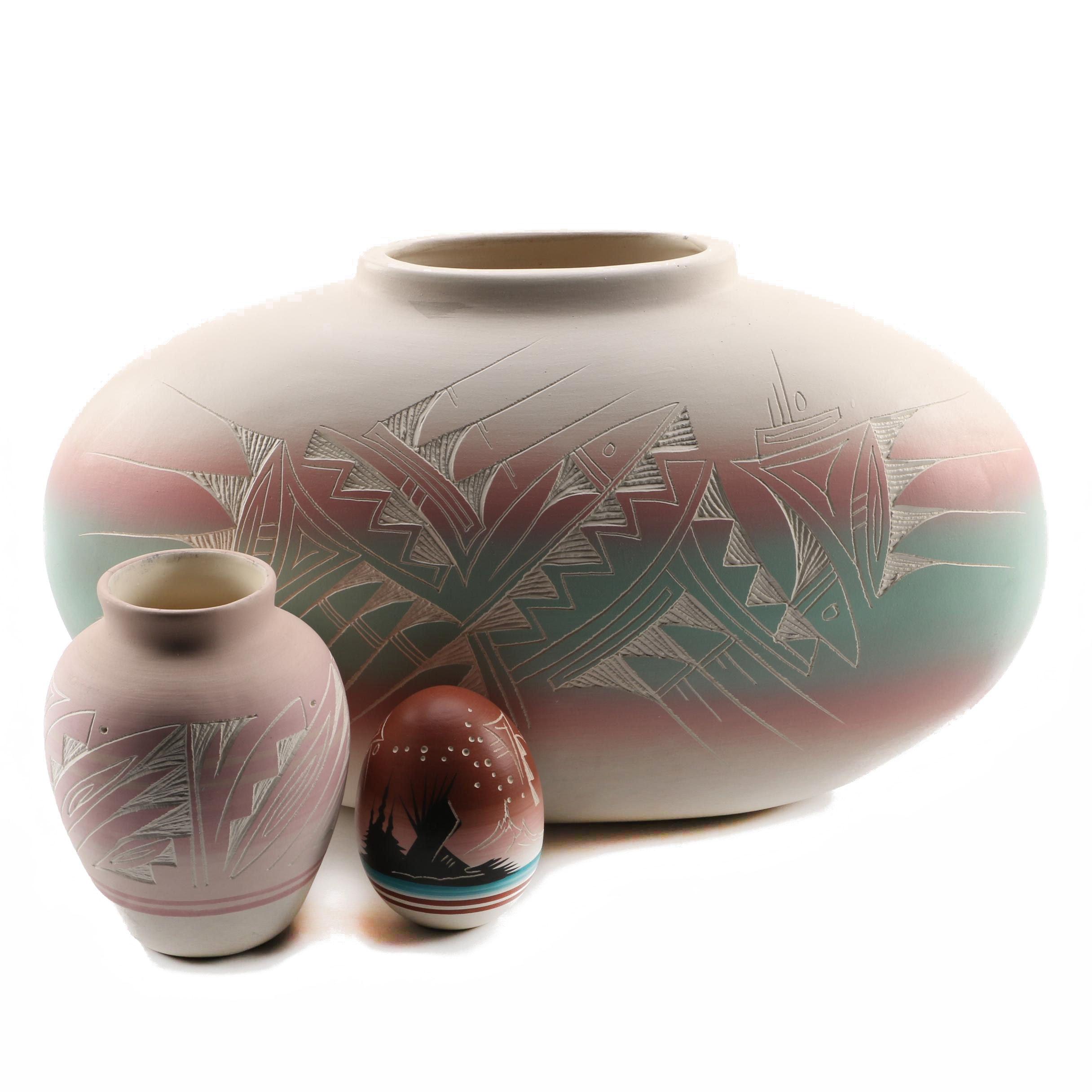 Navajo Art Pottery