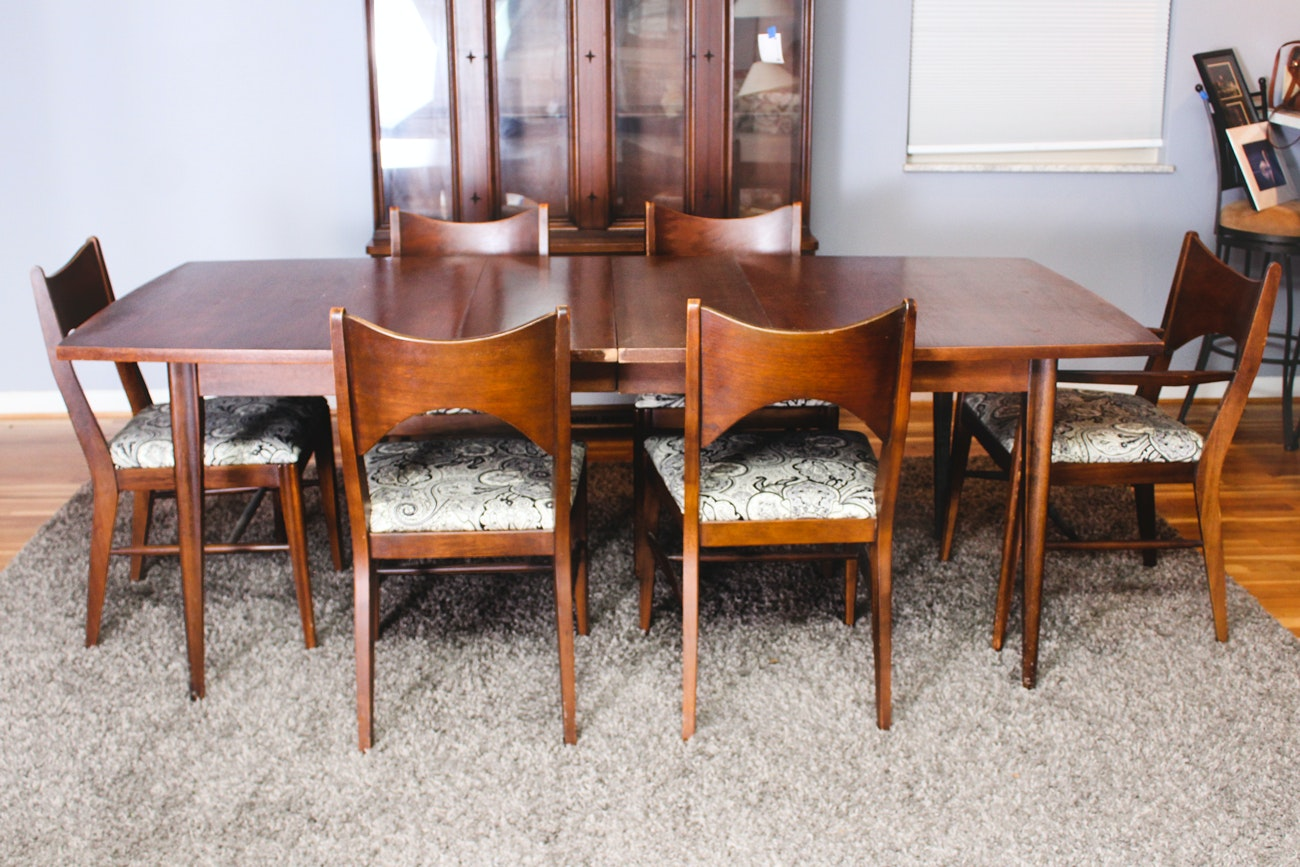 Mid Century Modern Extension Table with Six Chairs