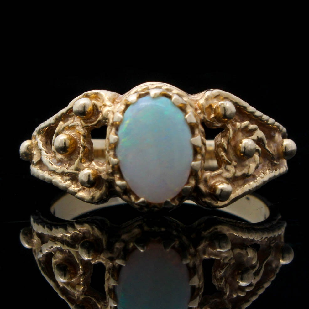 14K Yellow Gold and Opal Ring