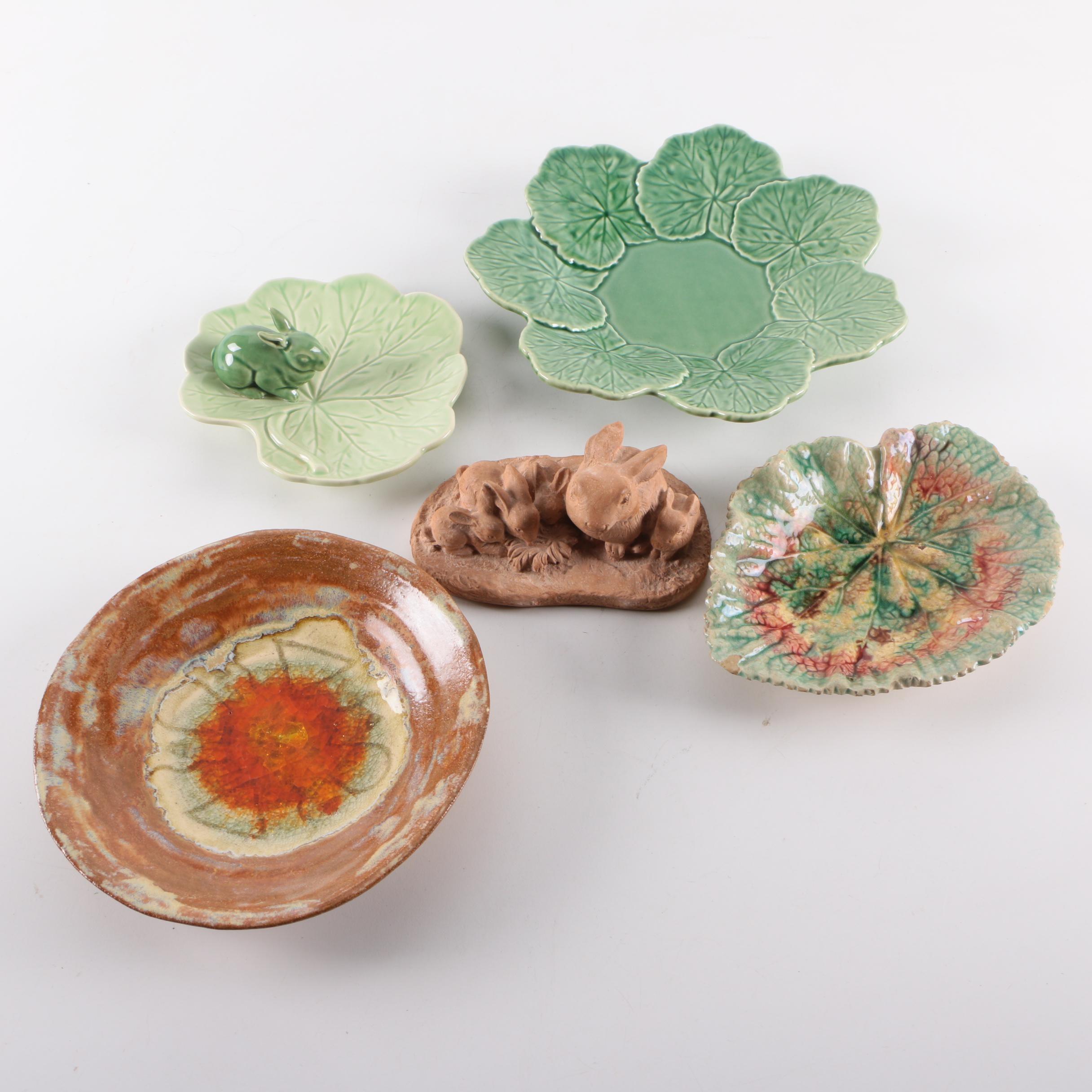 Decorative Ceramic Serving Plates and a Rabbit Figurine ... & Decorative Ceramic Serving Plates and a Rabbit Figurine : EBTH