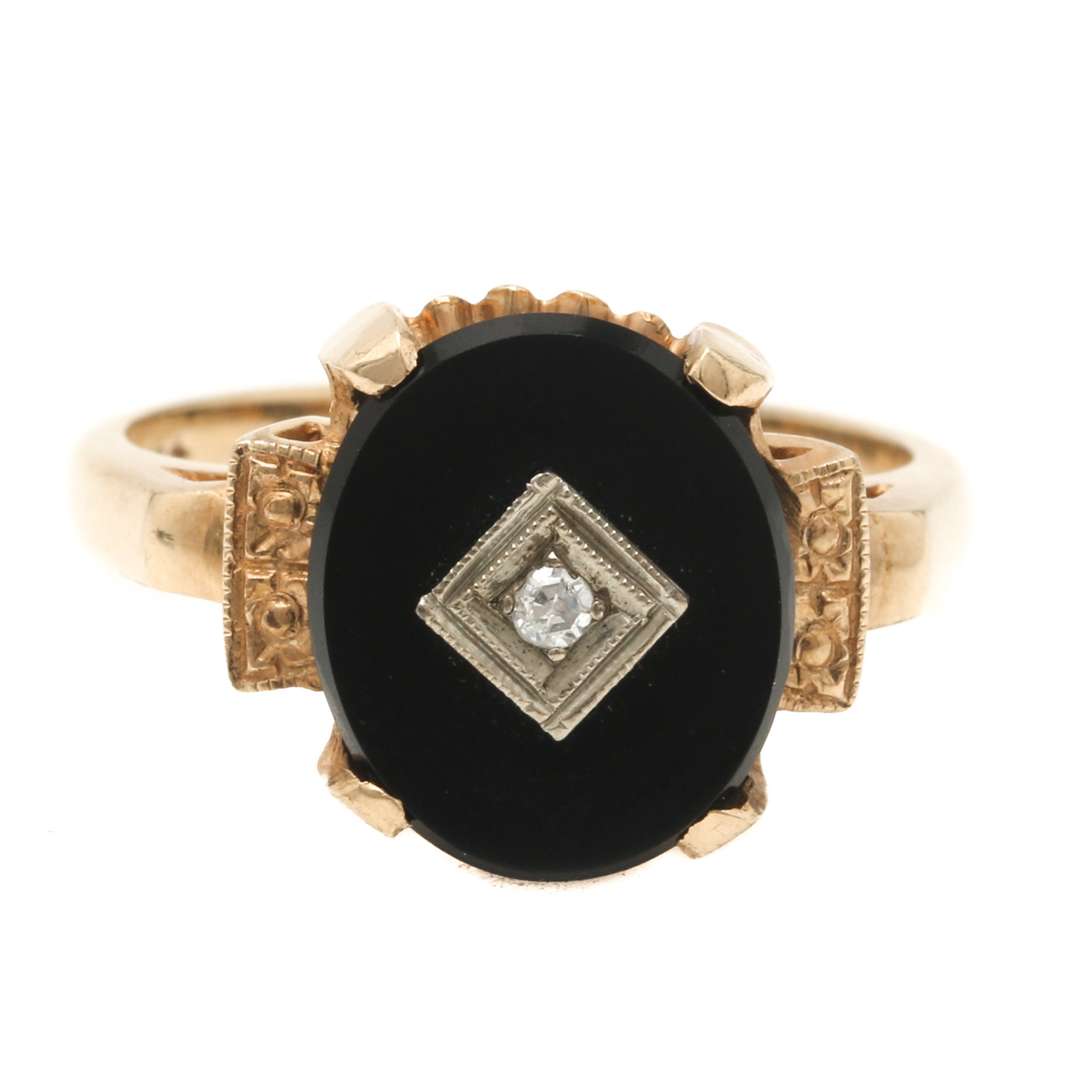 1940s 10K Yellow Gold and Black Onyx and Diamond Ring