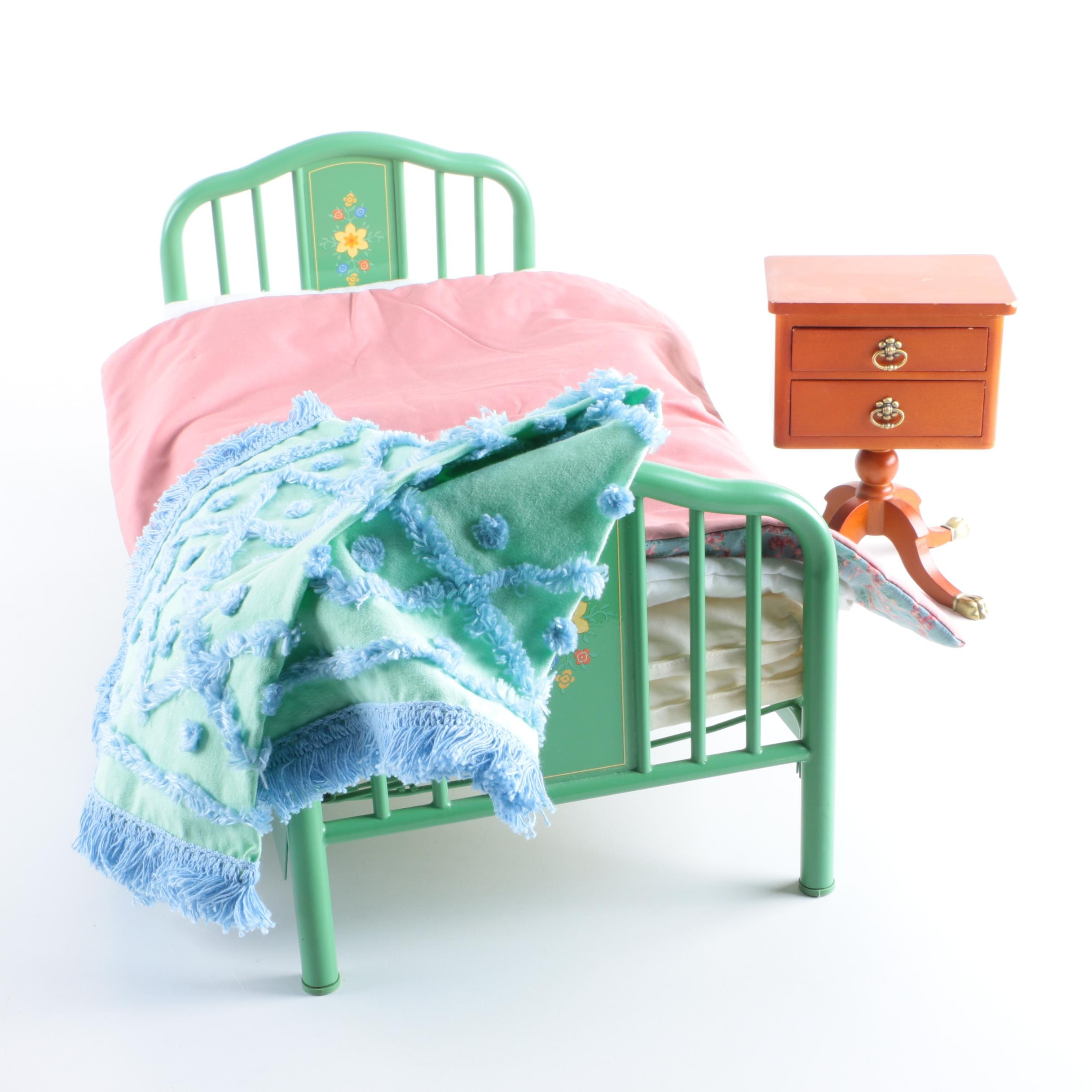 """American Girl Doll """"Kit"""" Trundle Bed and Bedding"""