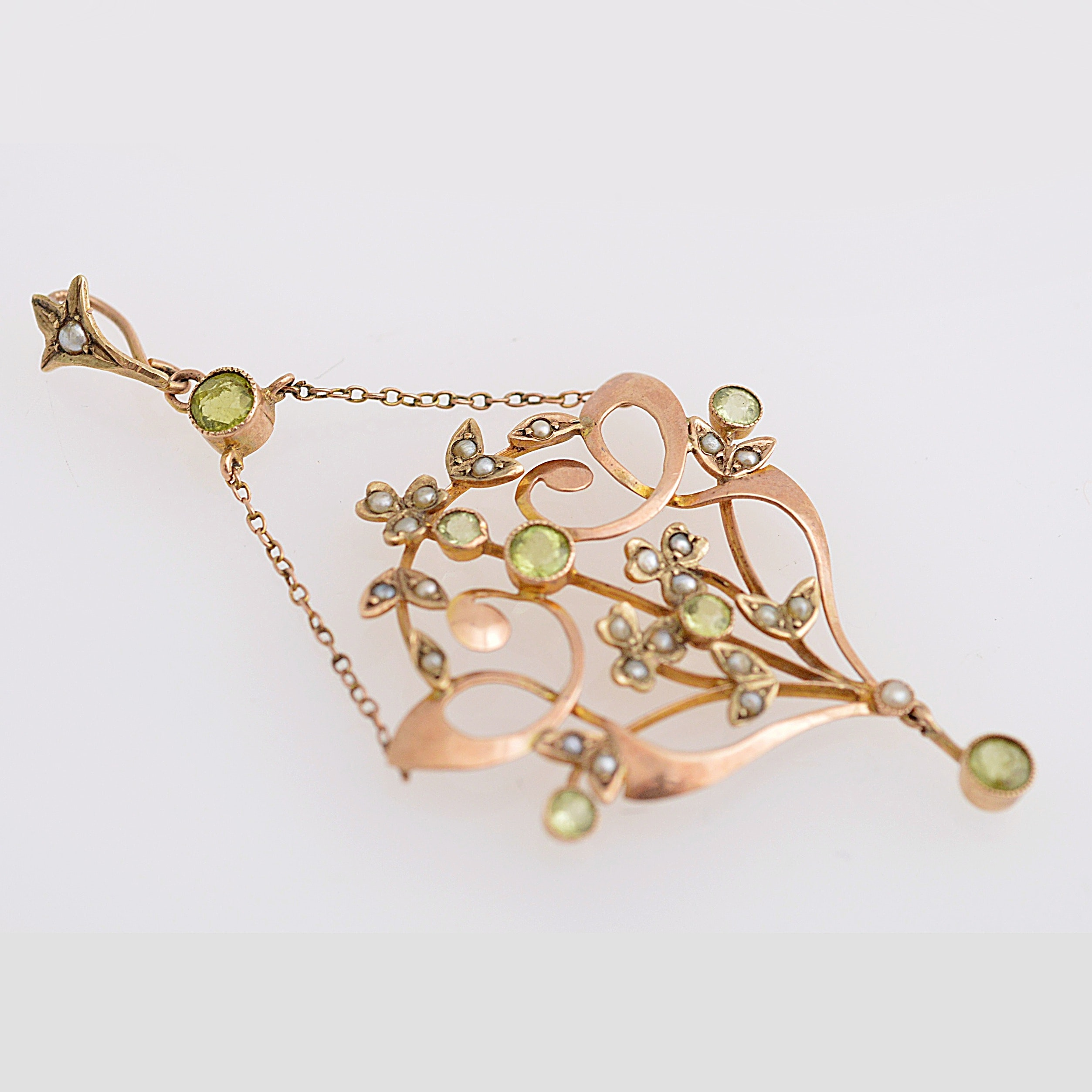 Art Nouveau 10K Yellow Gold, Peridot and Seed Pearl Pendant