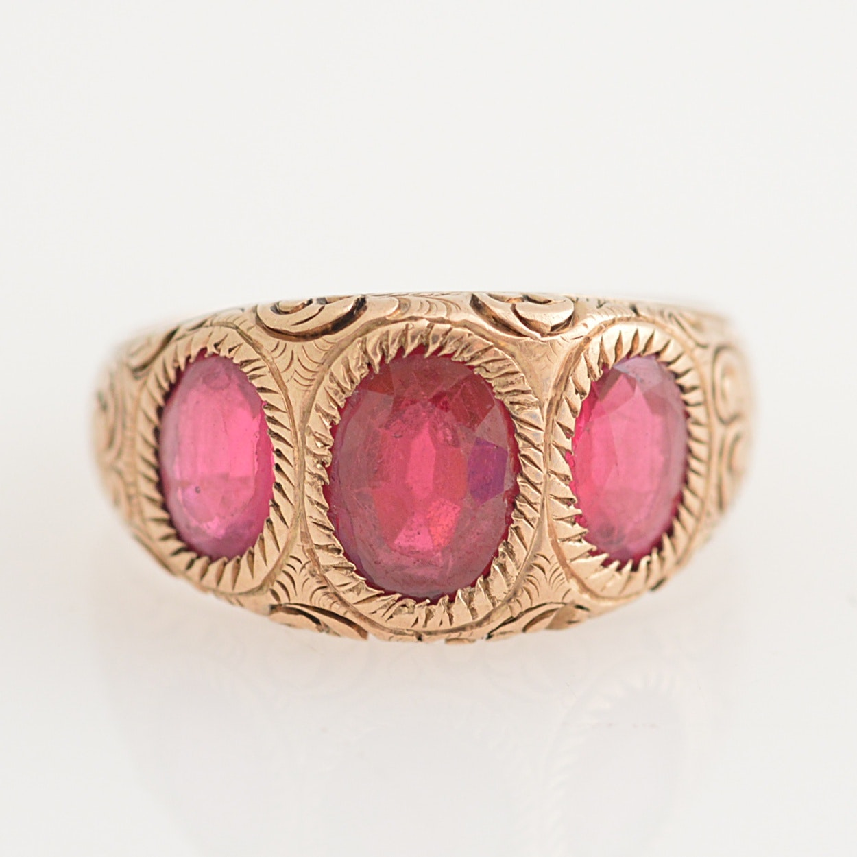 Vintage 10K Yellow Gold, Garnet and Glass Doublet Ring