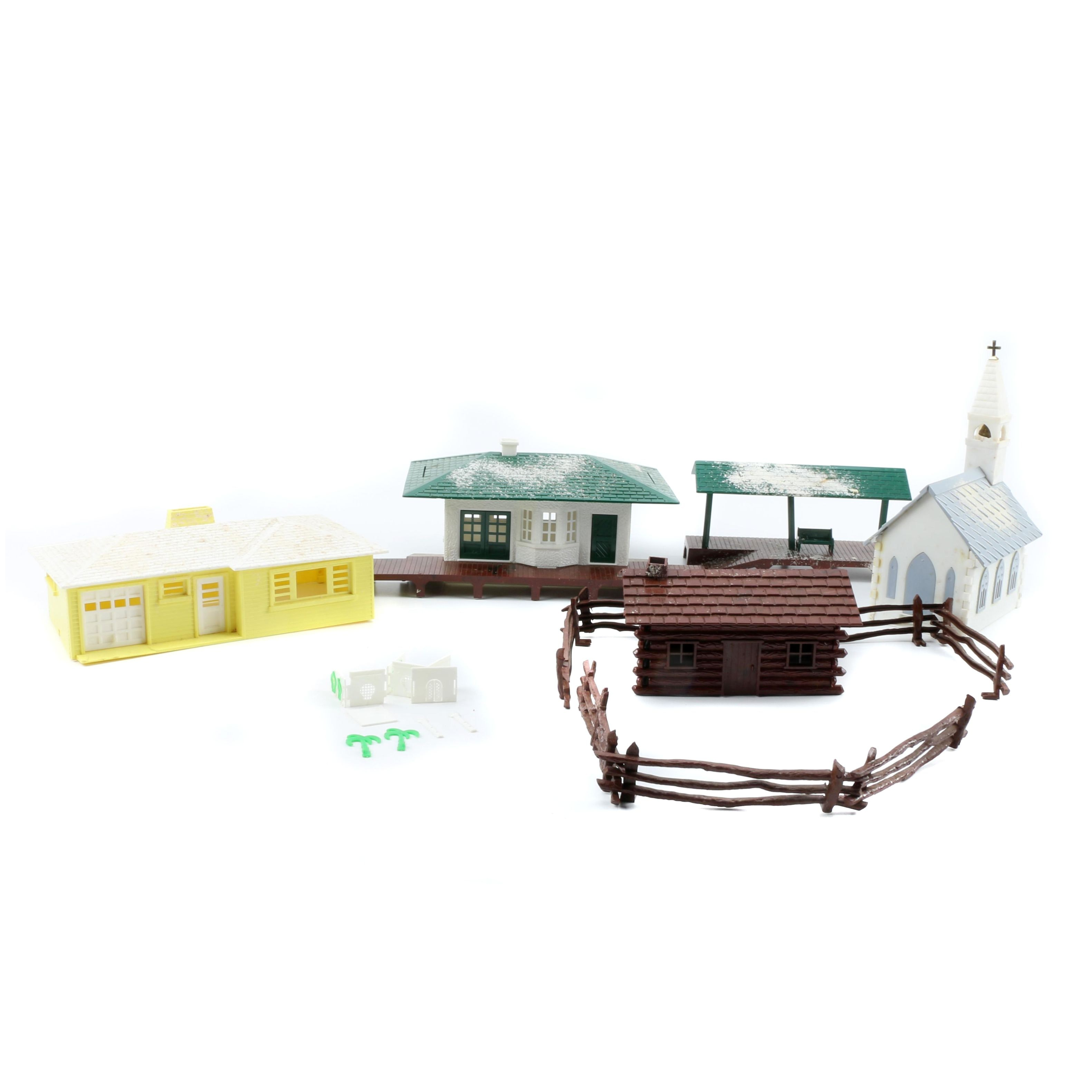 Bachmann Plasticville Model Kits for Train Sets