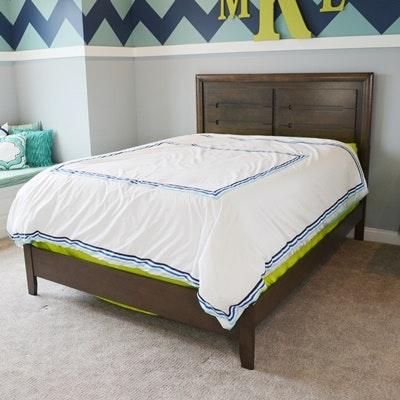 Full Size Raised Panel Bed