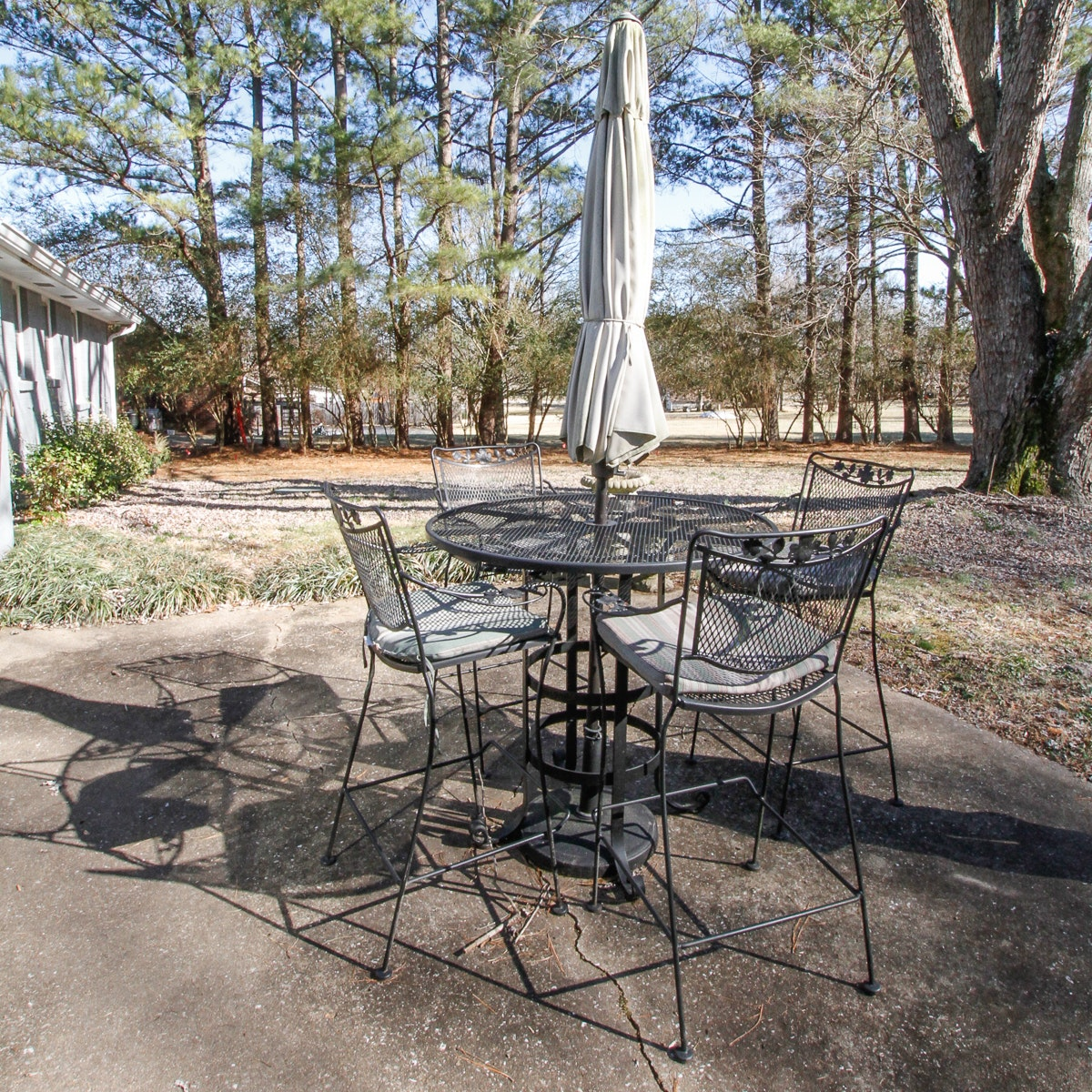 Outdoor Metal Bar-Height Table and Four Barstools