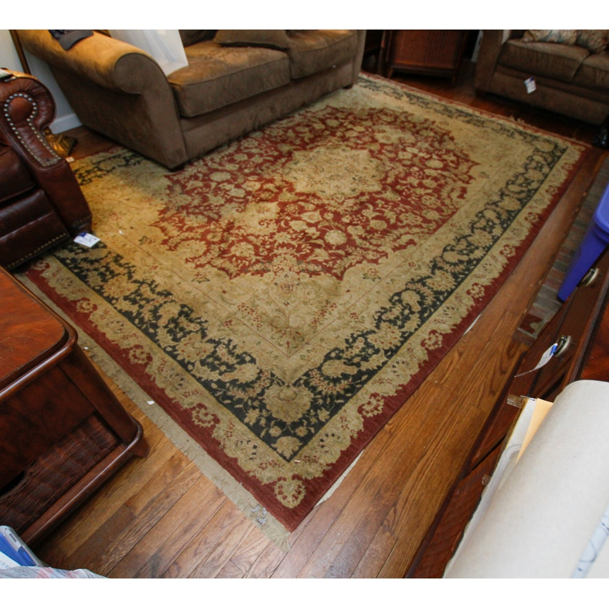 Machine Made Persian-Style Wool Area Rug