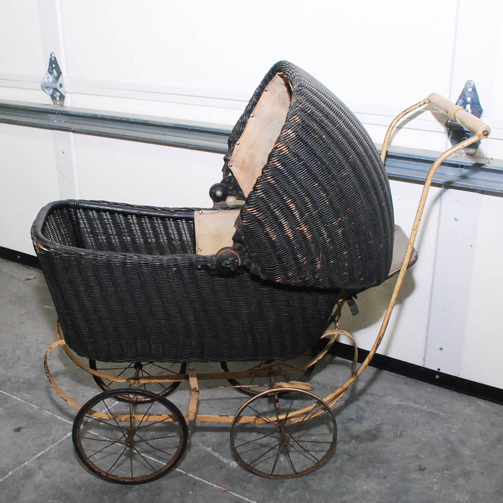 Early-20th Century Lloyd Loom Products Wicker Baby Carriage
