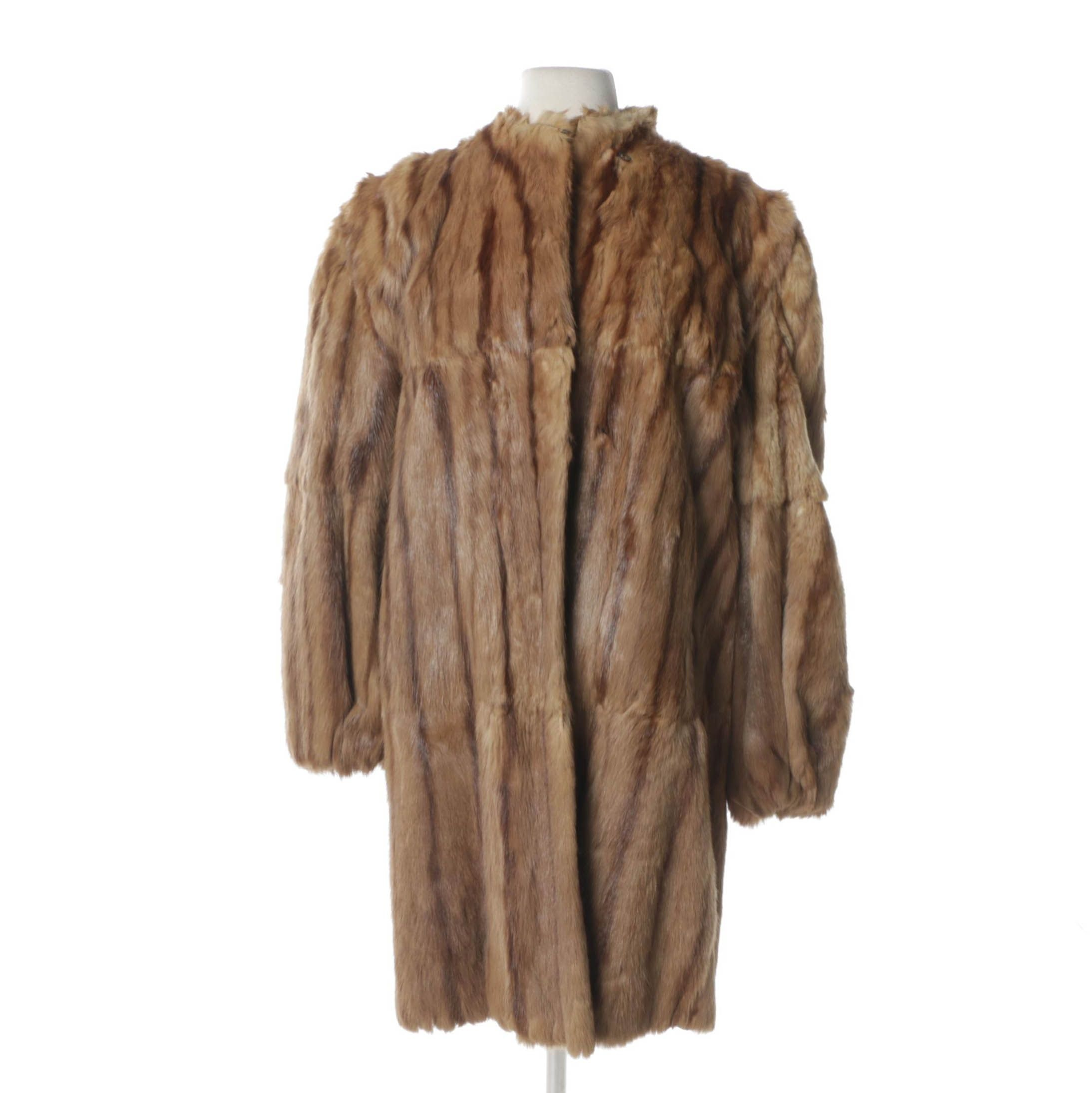 Women's Vintage Davidson's Indiana Fur Co. Marmot Fur Coat