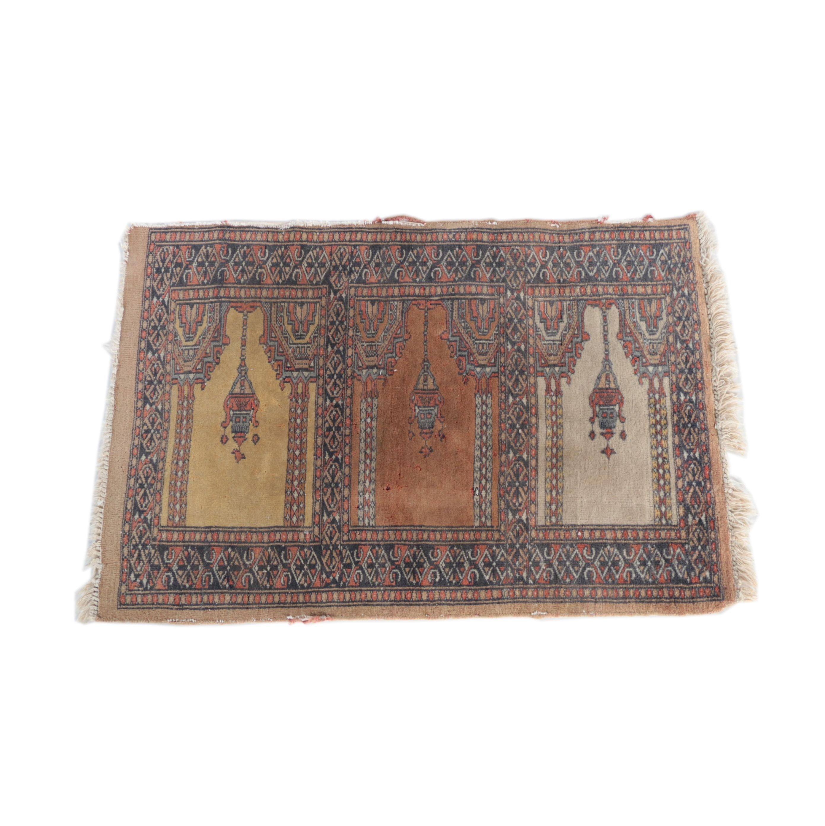 Hand-Knotted Genji Prayer Saph Rug