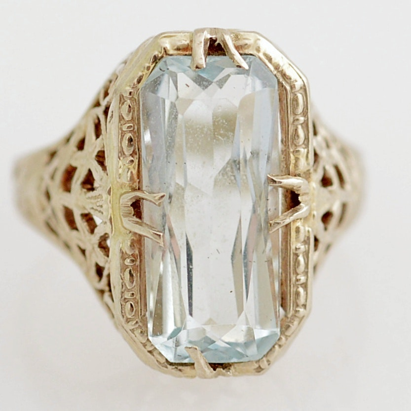 14K White Gold and Aquamarine Ring